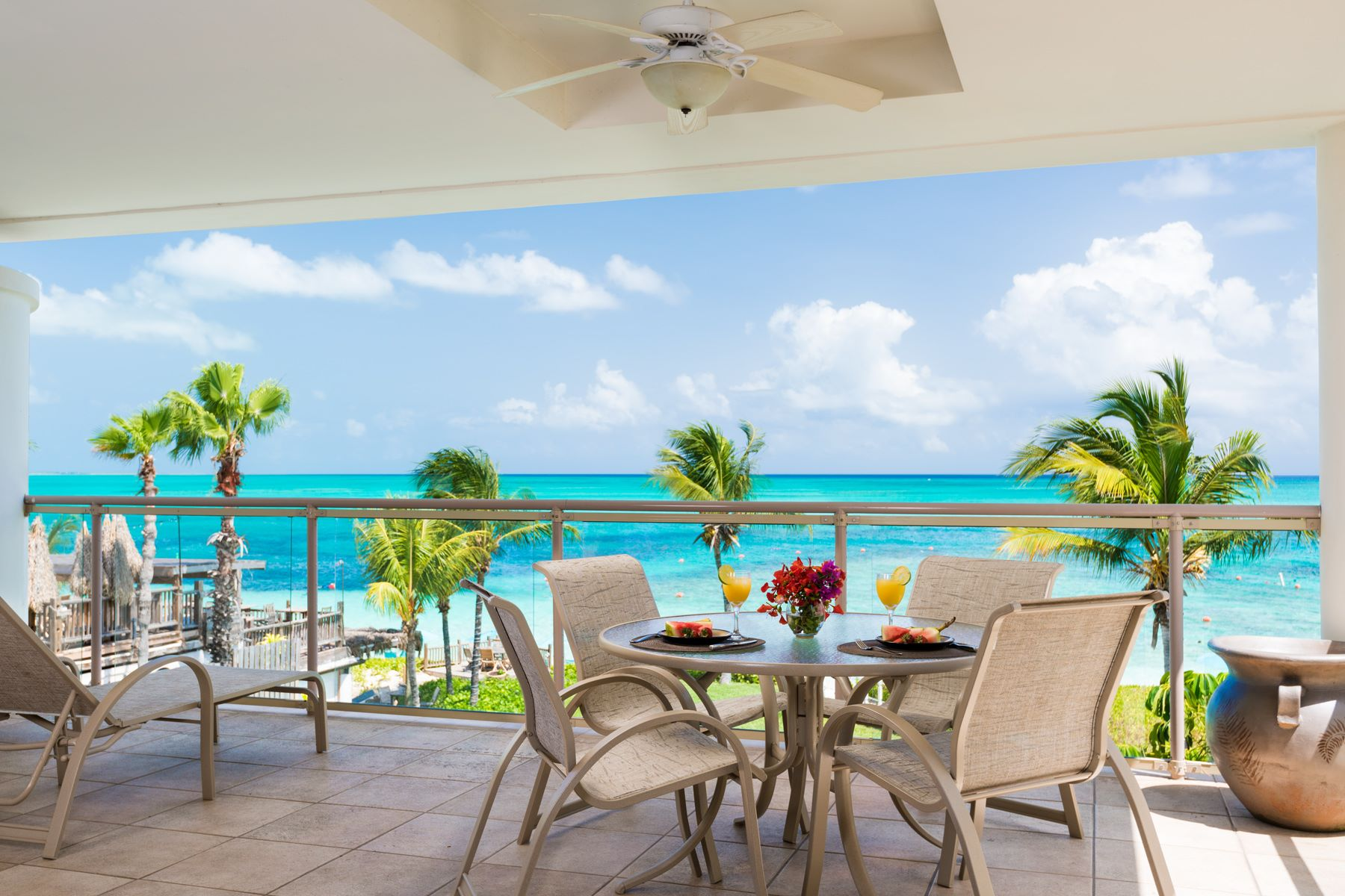 Additional photo for property listing at Coral Gardens - Suite 2311.12 Beachfront Grace Bay, Providenciales TC Islas Turcas Y Caicos