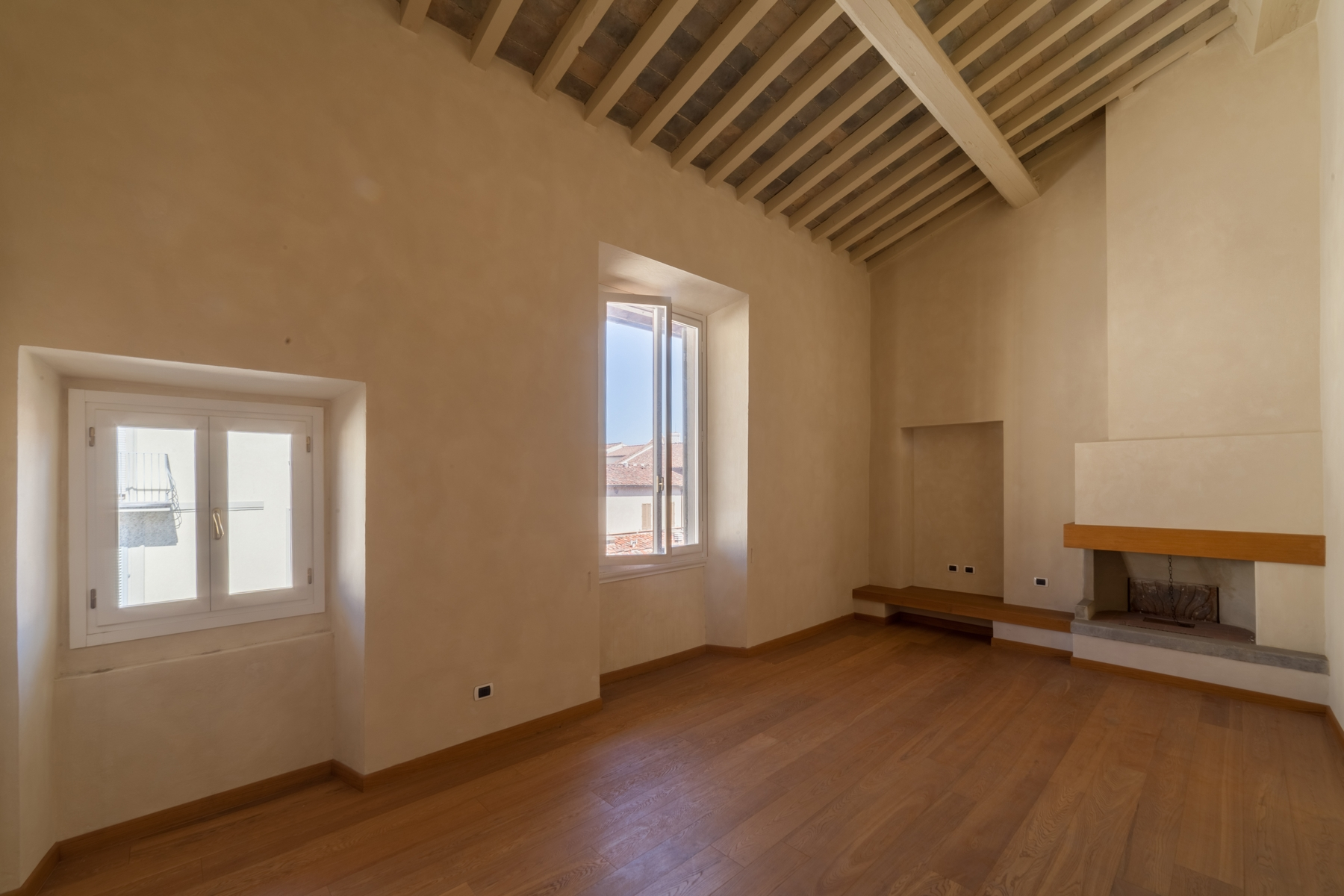 Additional photo for property listing at Beautiful new penthouse with views of the Brunelleschi Dome Firenze, Florence Italien