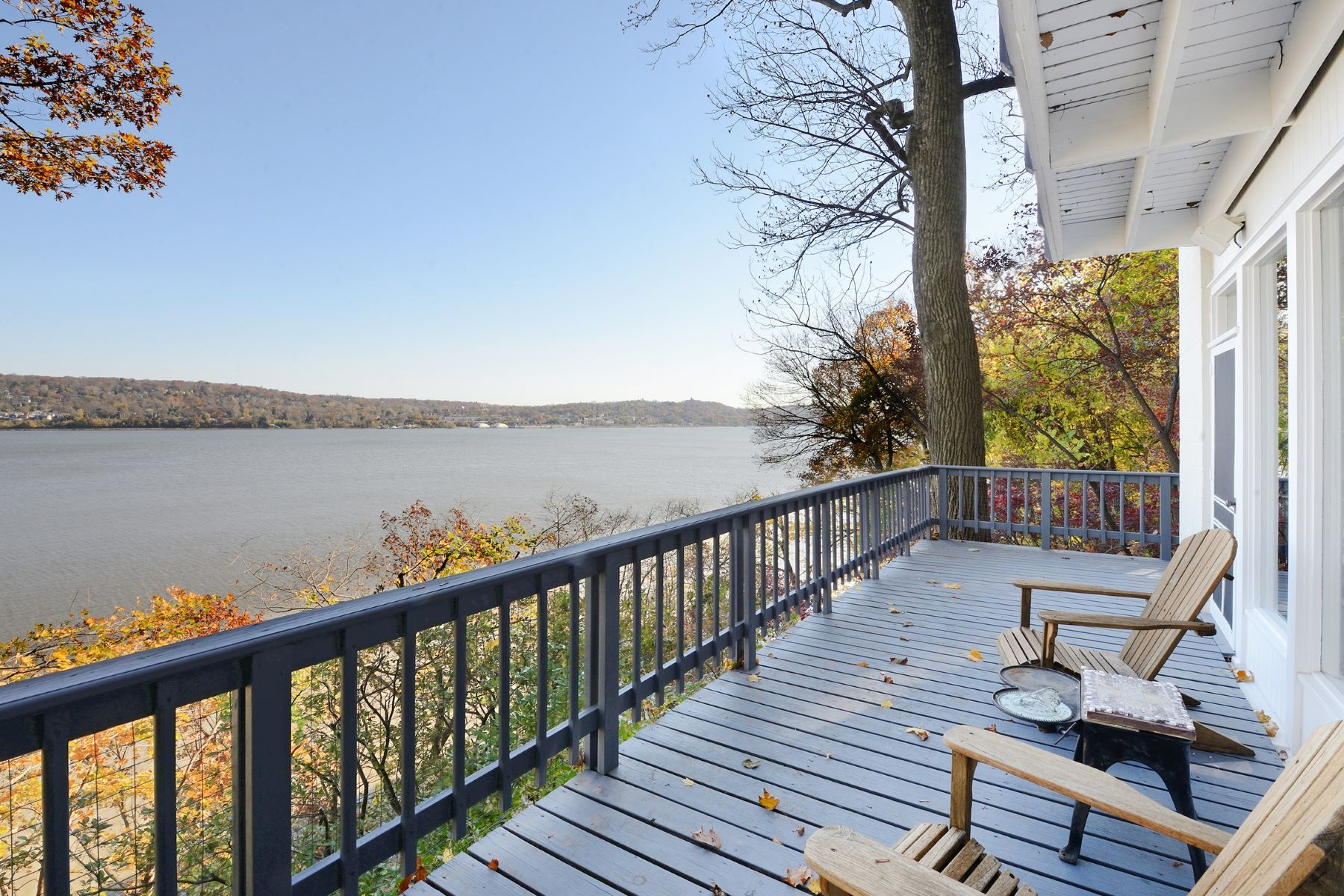 "Single Family Home for Sale at ""Cliff House"" 40 Lawrence Lane Snedens Landing, New York 10964 United StatesIn/Around: Palisades"