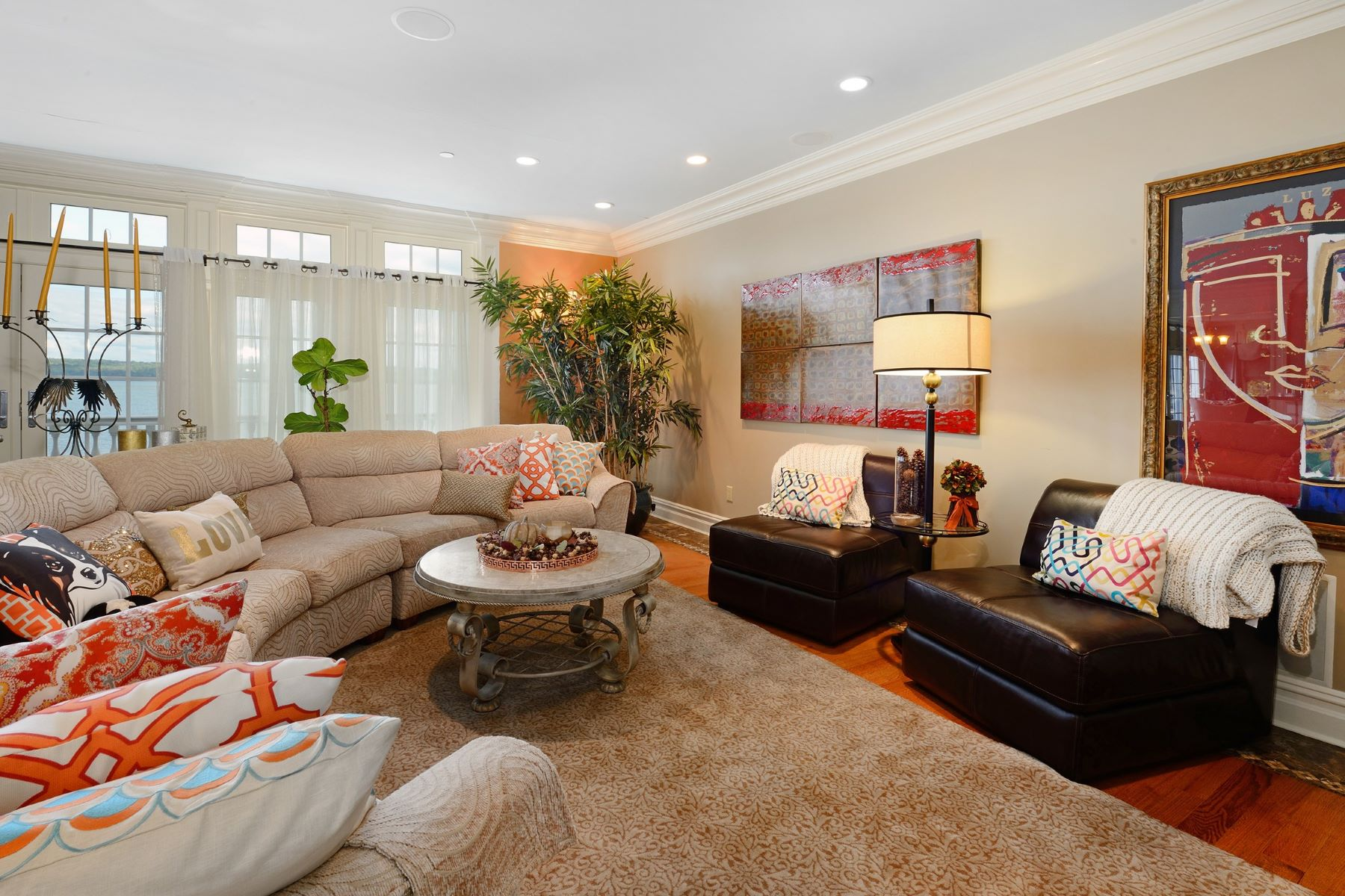 Additional photo for property listing at Oasis on the Hudson 617 North Broadway Upper Nyack, New York 10960 United States