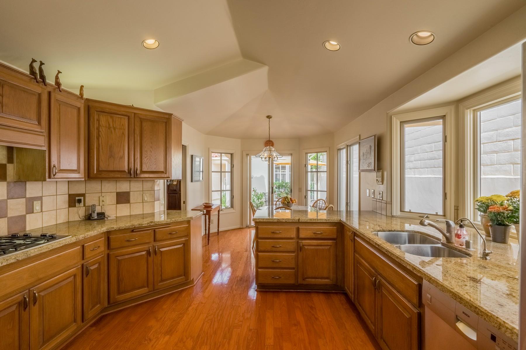 واحد منزل الأسرة للـ Sale في 1356 Caminito Faro 1365 Caminito Faro, La Jolla, California, 92037 United States