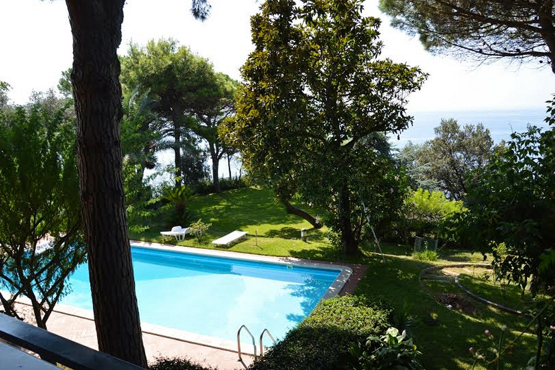 Maison unifamiliale pour l Vente à Charming villa with private pool and garden Pozzuoli, Naples Italie