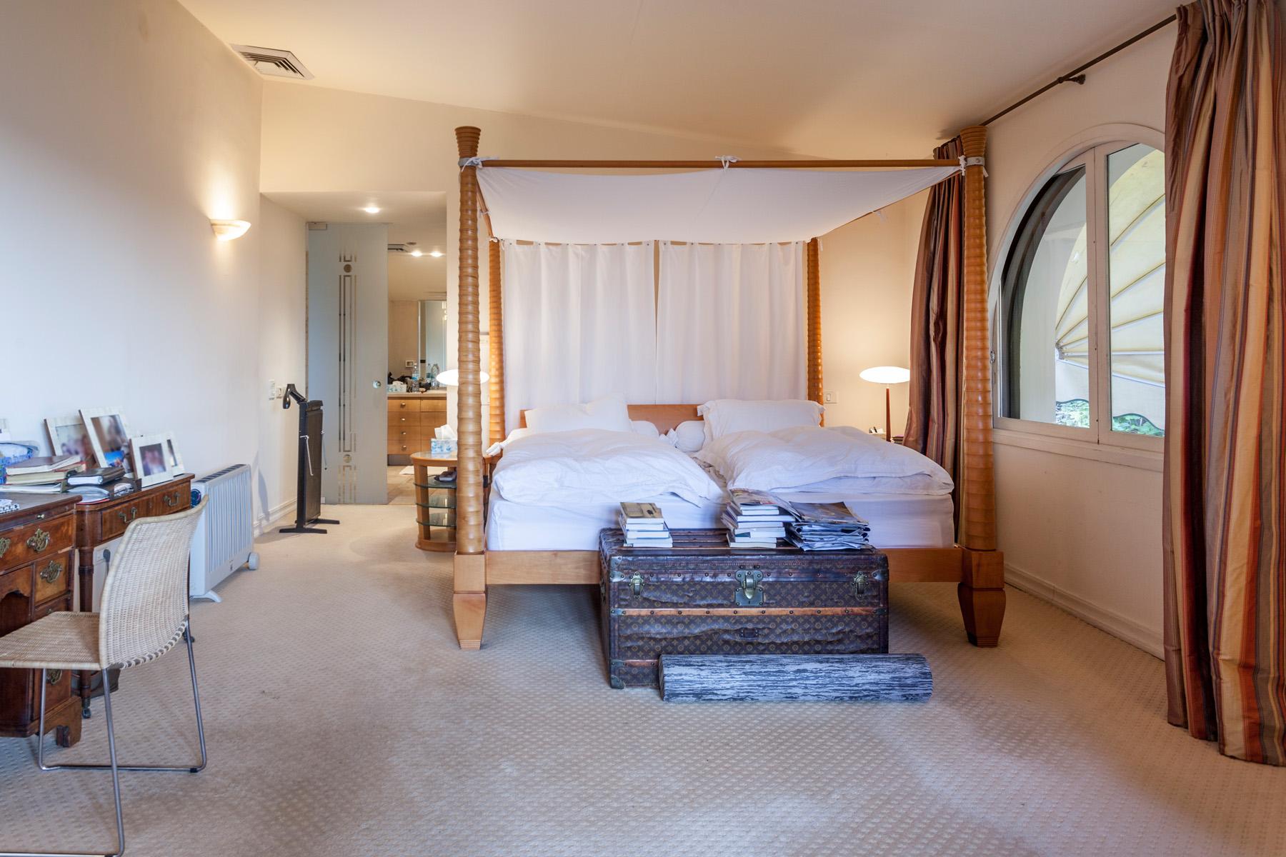 Additional photo for property listing at Inviting Classical Villa near the Sea 荷兹利亚, 以色列 以色列