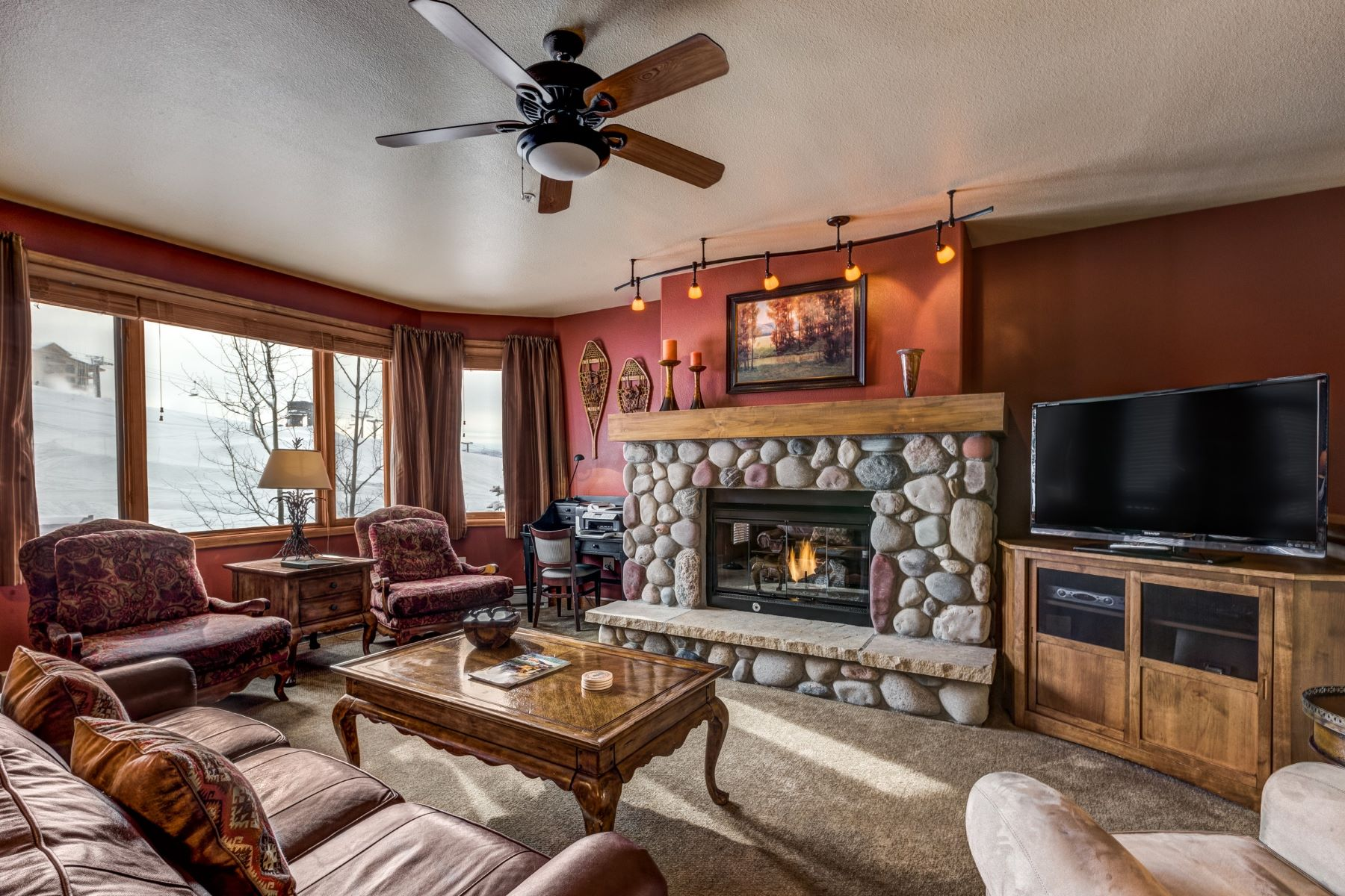 Additional photo for property listing at Christie Club Fractional Ownership 2255 Ski Time SquareDrive #213 Steamboat Springs, Colorado 80487 United States