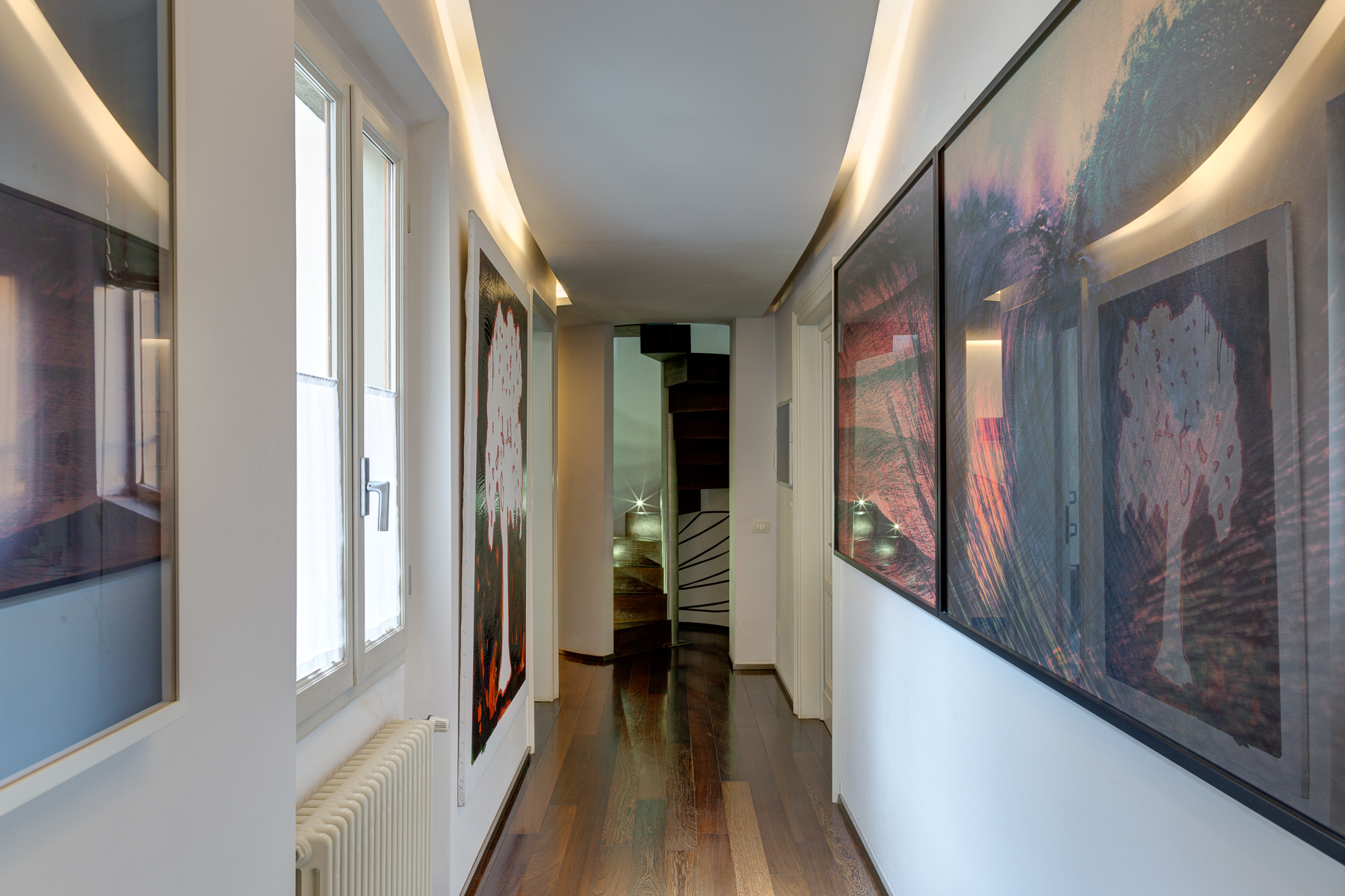 Additional photo for property listing at Design apartment in Florence Via Lorenzo il Magnifico Firenze, Florence 50129 Italia