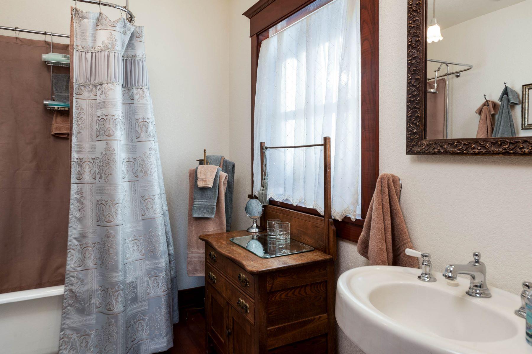Additional photo for property listing at Lavishly Restored Port Orchard Home 228 Seattle Ave Port Orchard, Washington 98366 United States