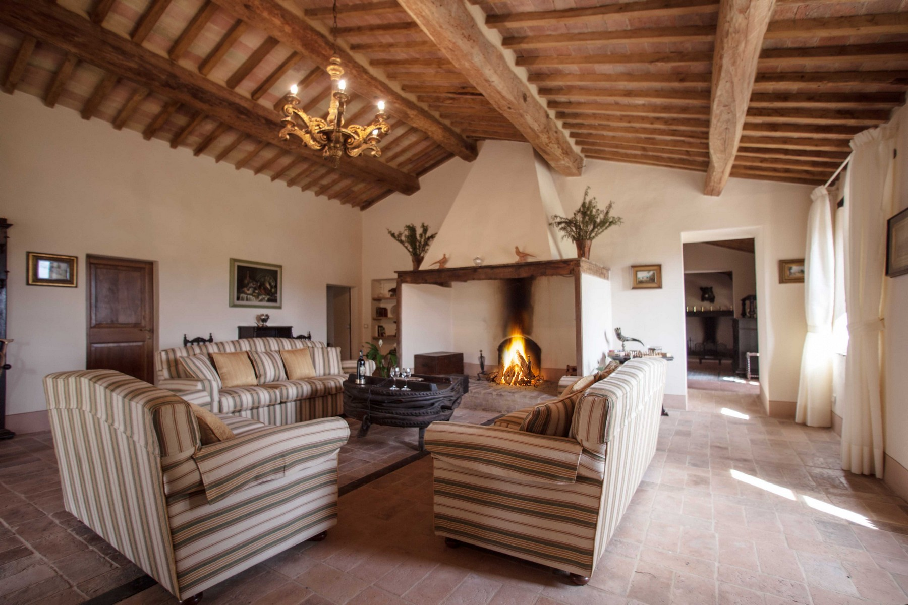 Additional photo for property listing at Stunning Villa in Val D'Orcia Buonconvento Siena, Siena 53022 Italia