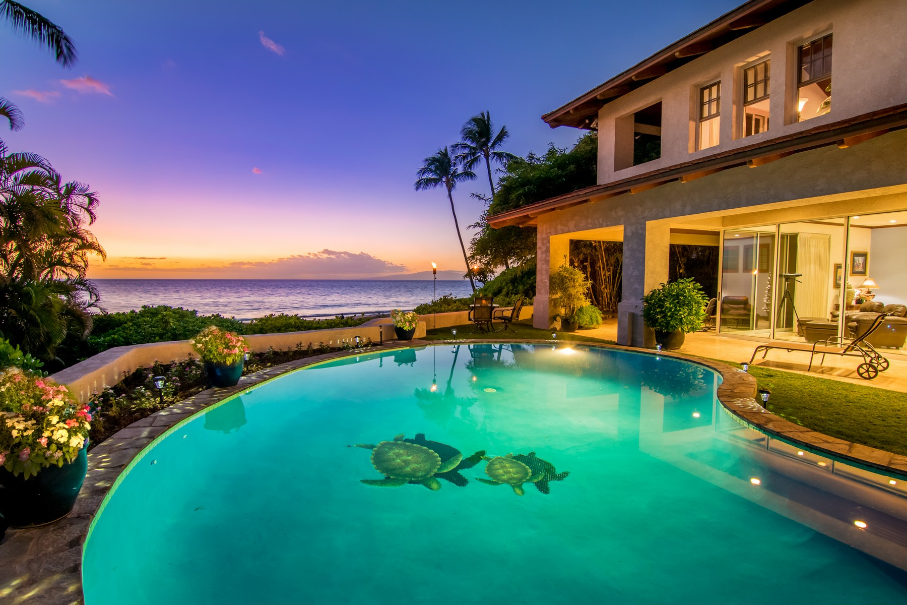 Maison unifamiliale pour l Vente à Elegant Oceanfront Estate On Maui's Finest Sandy Beach 3002 South Kihei Road Kihei, Hawaii 96753 États-Unis