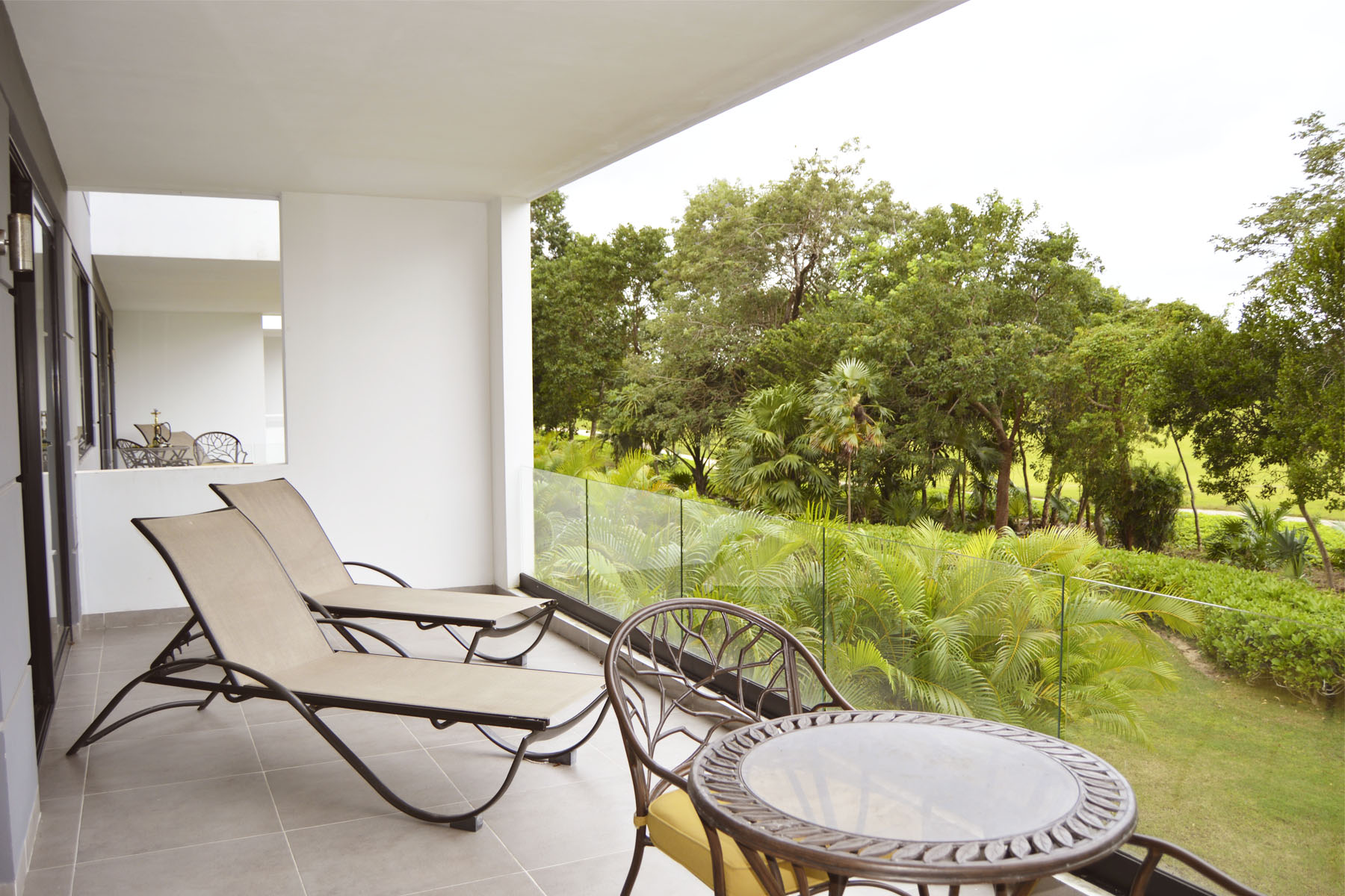 Additional photo for property listing at WHITE DIAMOND LUXURY CONDO Nick Price Lote 79, Mza 21, Region 04 Playa Del Carmen, Quintana Roo 77710 Mexico