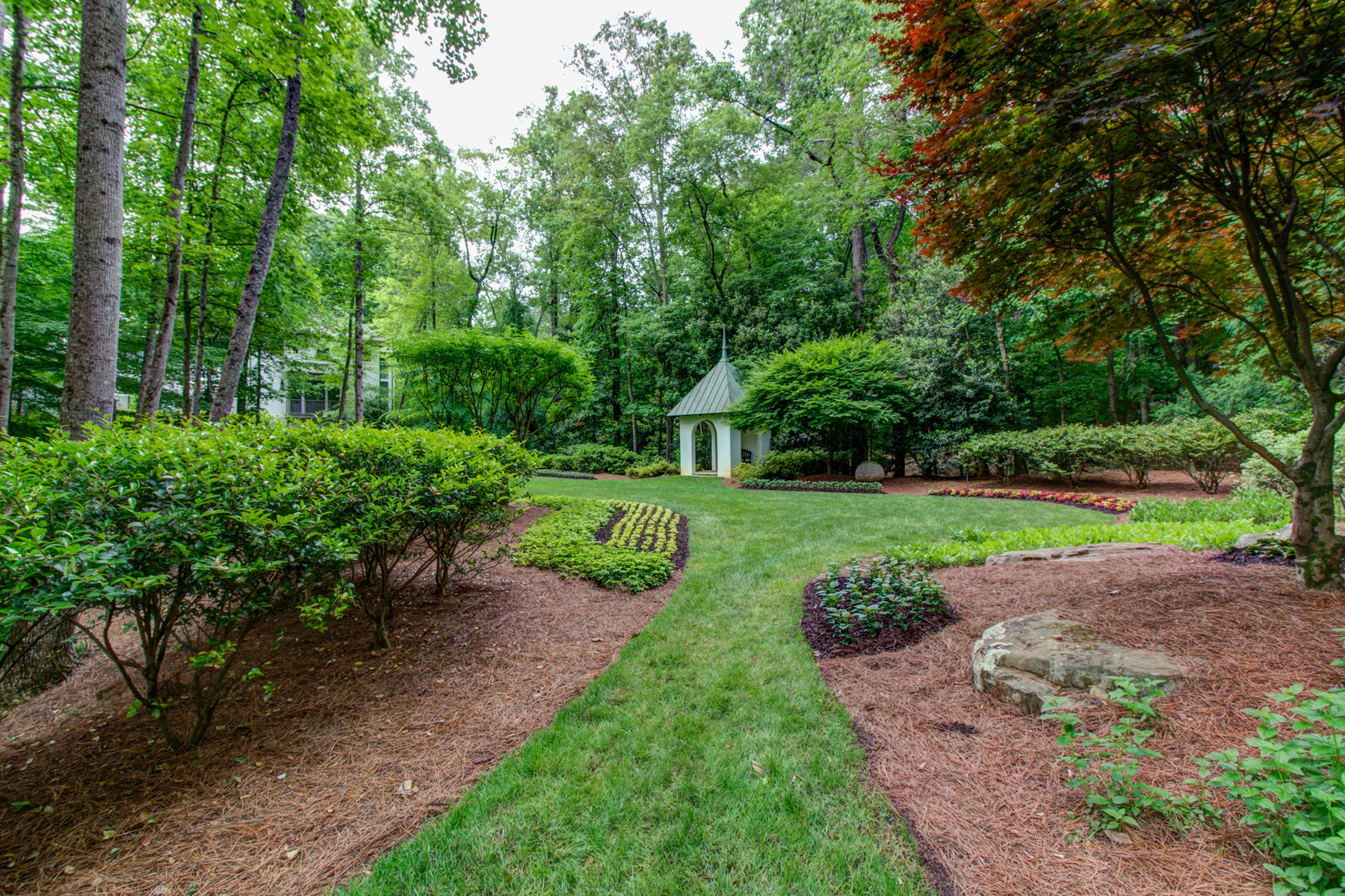Additional photo for property listing at Captivating European Private Gated Estate 5229 Riverview Road NW Atlanta, Georgië 30327 Verenigde Staten