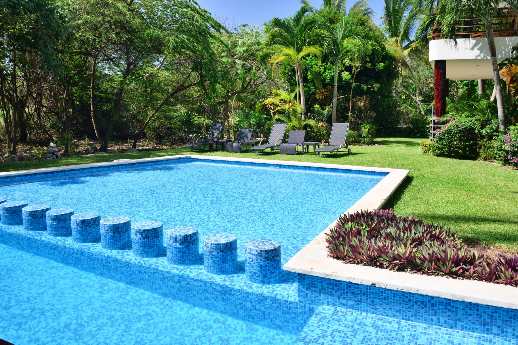 Additional photo for property listing at AKOYA LIVING IN THE GREEN Akoya, Villas Pakal Ret 3 Chichenitza Lot 19 Mza 16 Playa Del Carmen, Quintana Roo 77710 Mexico