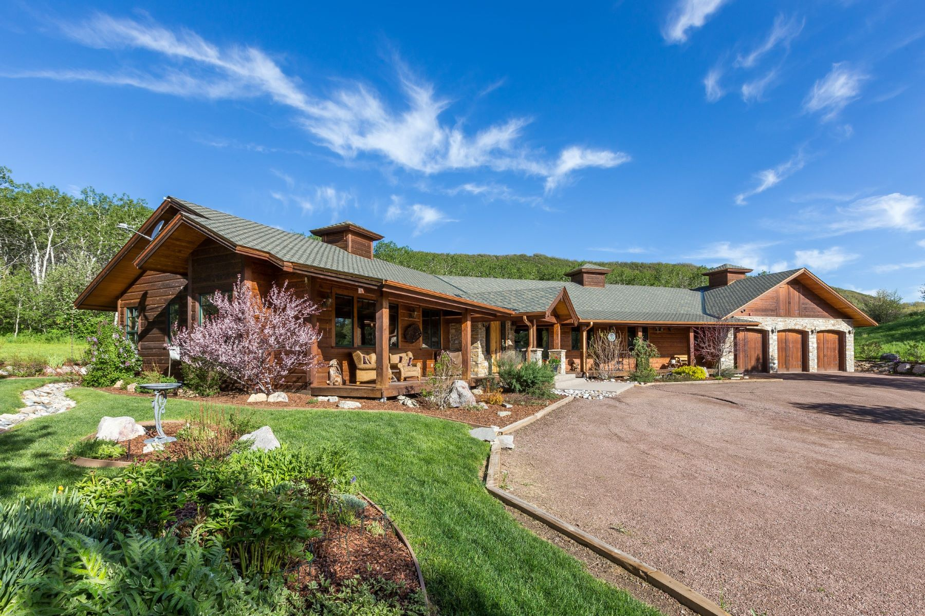 Additional photo for property listing at Impeccable Gentleman's Ranch 26000 Deerwood Lane 斯廷博特斯普林斯, 科罗拉多州 80487 美国