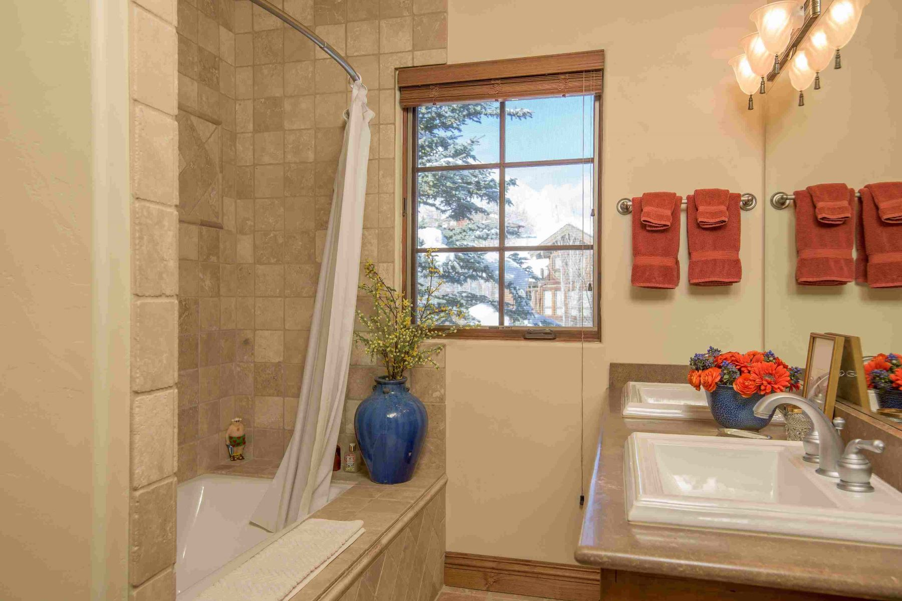 Additional photo for property listing at Rarely Available Estate Caliber Home 1100 W Canyon Run Blvd. Ketchum, Idaho 83340 United States