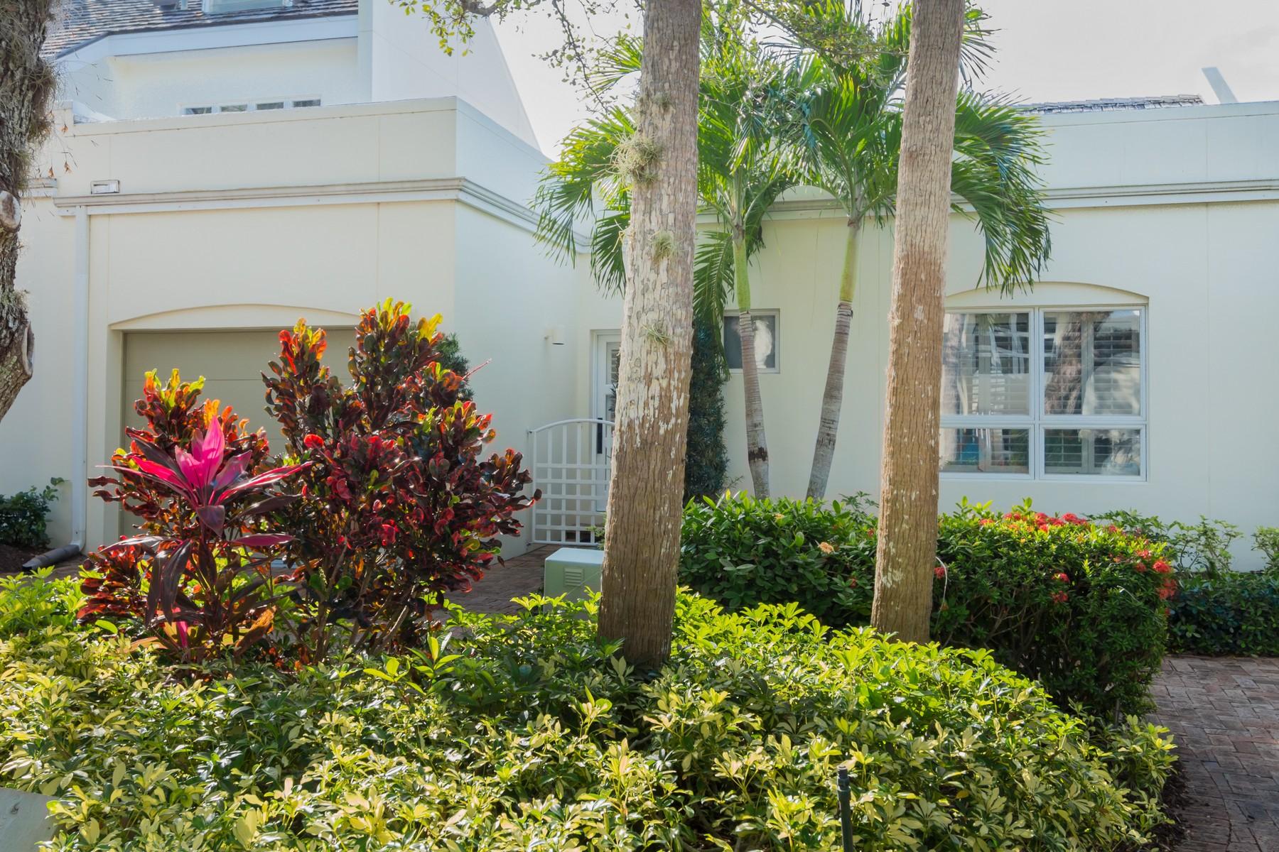 Casa Unifamiliar por un Venta en Courtyard home with Private Pool 8365 Baytree Drive Vero Beach, Florida, 32963 Estados Unidos