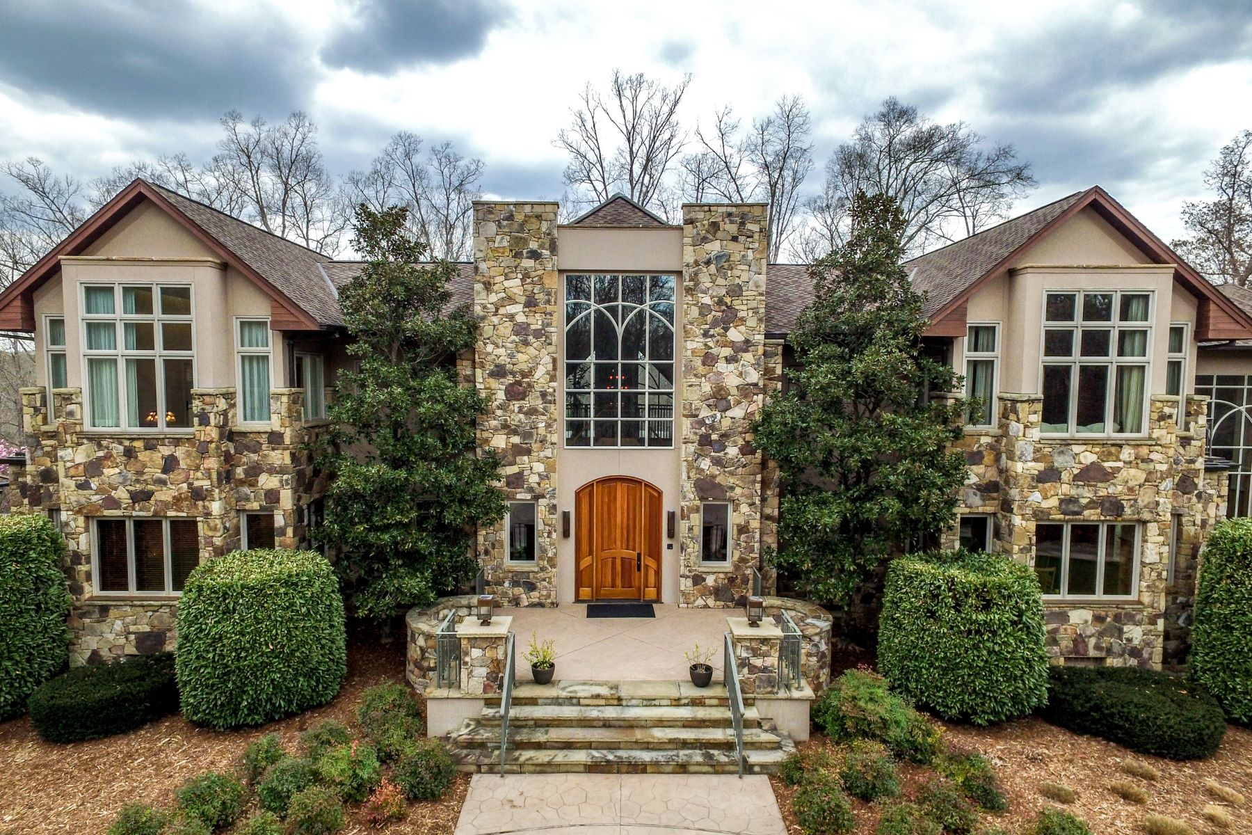 Single Family Home for Sale at Silers Fen 104 Silers Fen Court Chapel Hill, North Carolina 27517 United StatesIn/Around: Cary, Durham, Raleigh