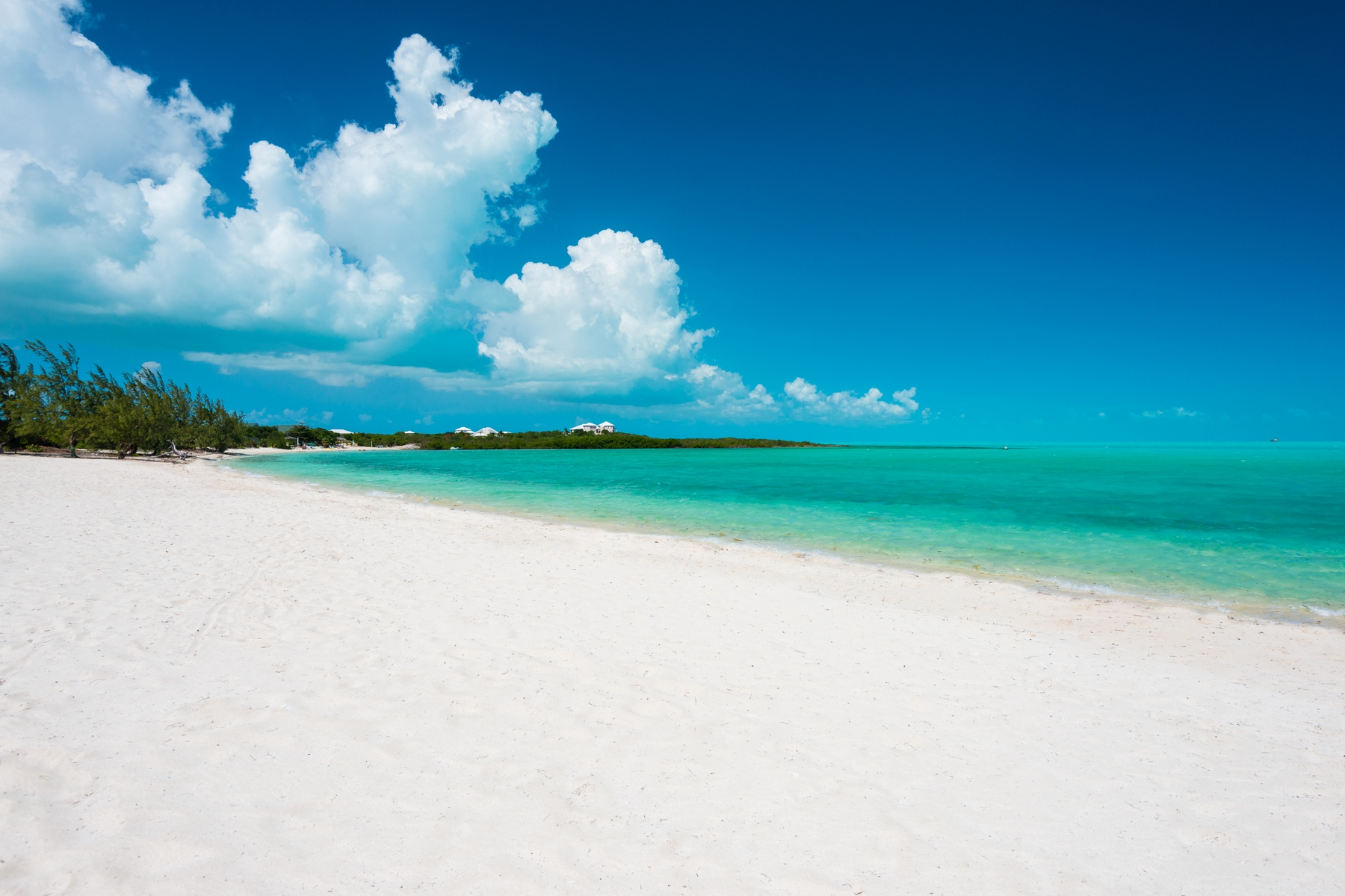 Additional photo for property listing at BEACH ENCLAVE LONG BAY - Design One 5B Beachfront Long Bay, Providenciales TCI Turks And Caicos Islands