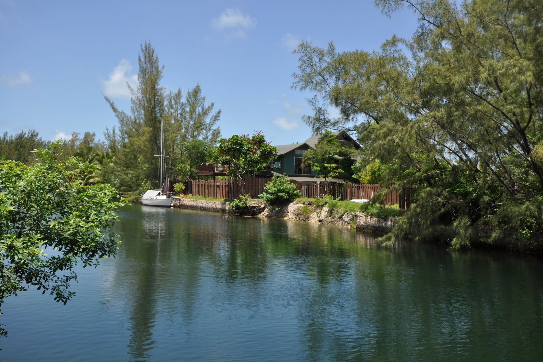 Additional photo for property listing at Canalfront Lot in Coral Harbour Coral Harbour, New Providence/Nassau Bahamas