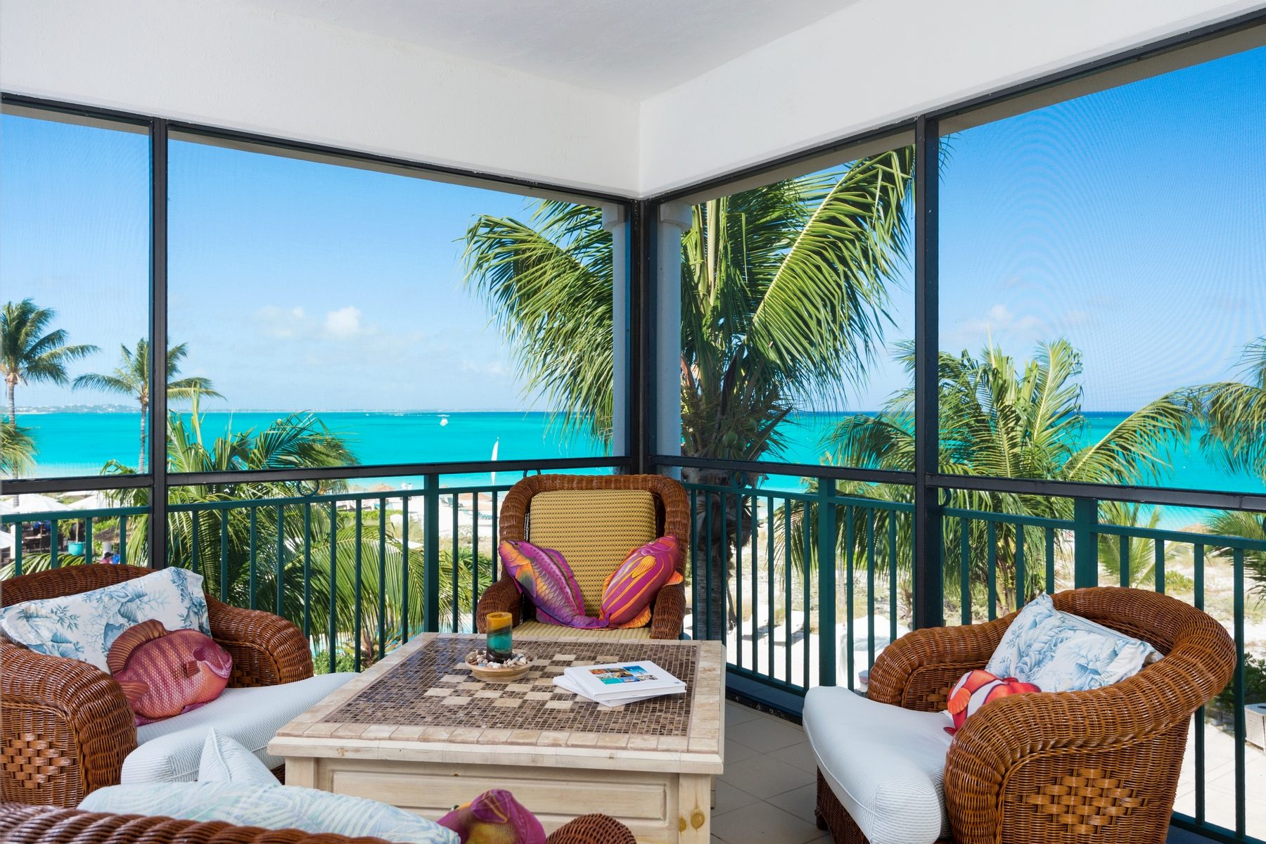 Condomínio para Venda às The Sands Penthouse 3303.04 Beachfront Grace Bay, Providenciales, TC Turks E Caicos