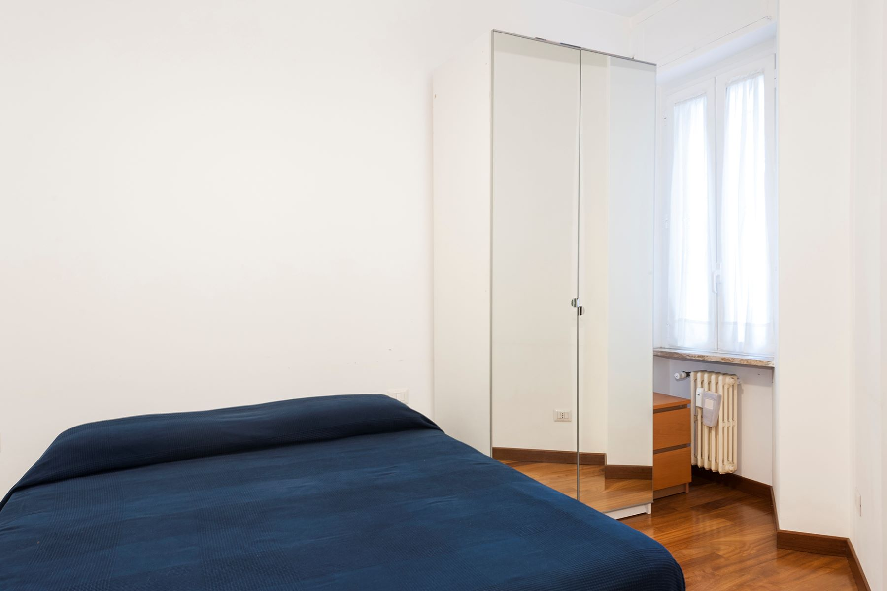 Additional photo for property listing at Renovated apartment in the Prati neighborhood Via Costabella Rome, Rome 00195 Italy