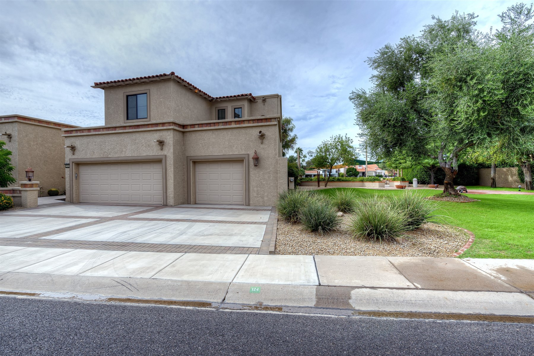 Townhouse for Sale at Lovely waterfront home in the beautiful community of Las Palomas 8450 N 84th St Scottsdale, Arizona, 85258 United States