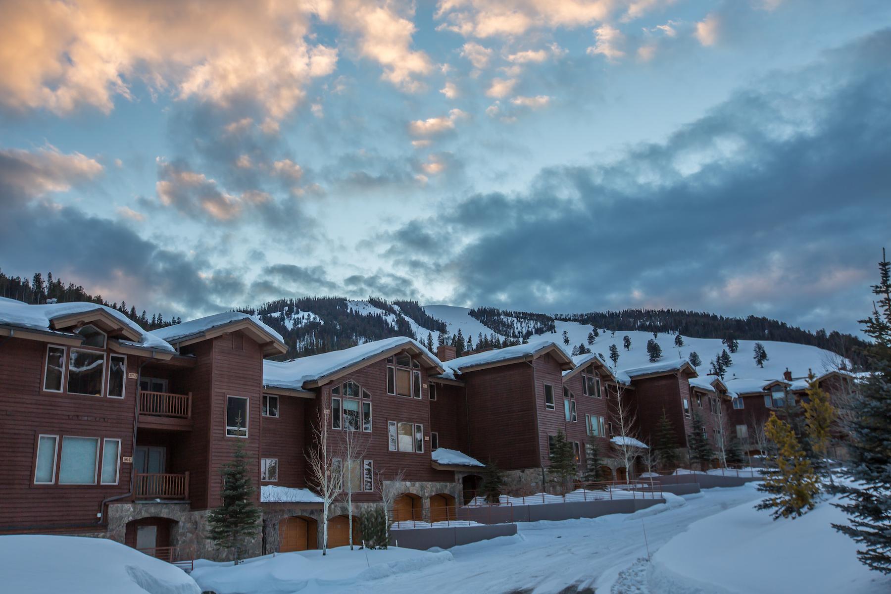 Nhà chung cư vì Bán tại Lone Moose Meadows Unit 204 Big Sky, Montana, 59716 Hoa Kỳ