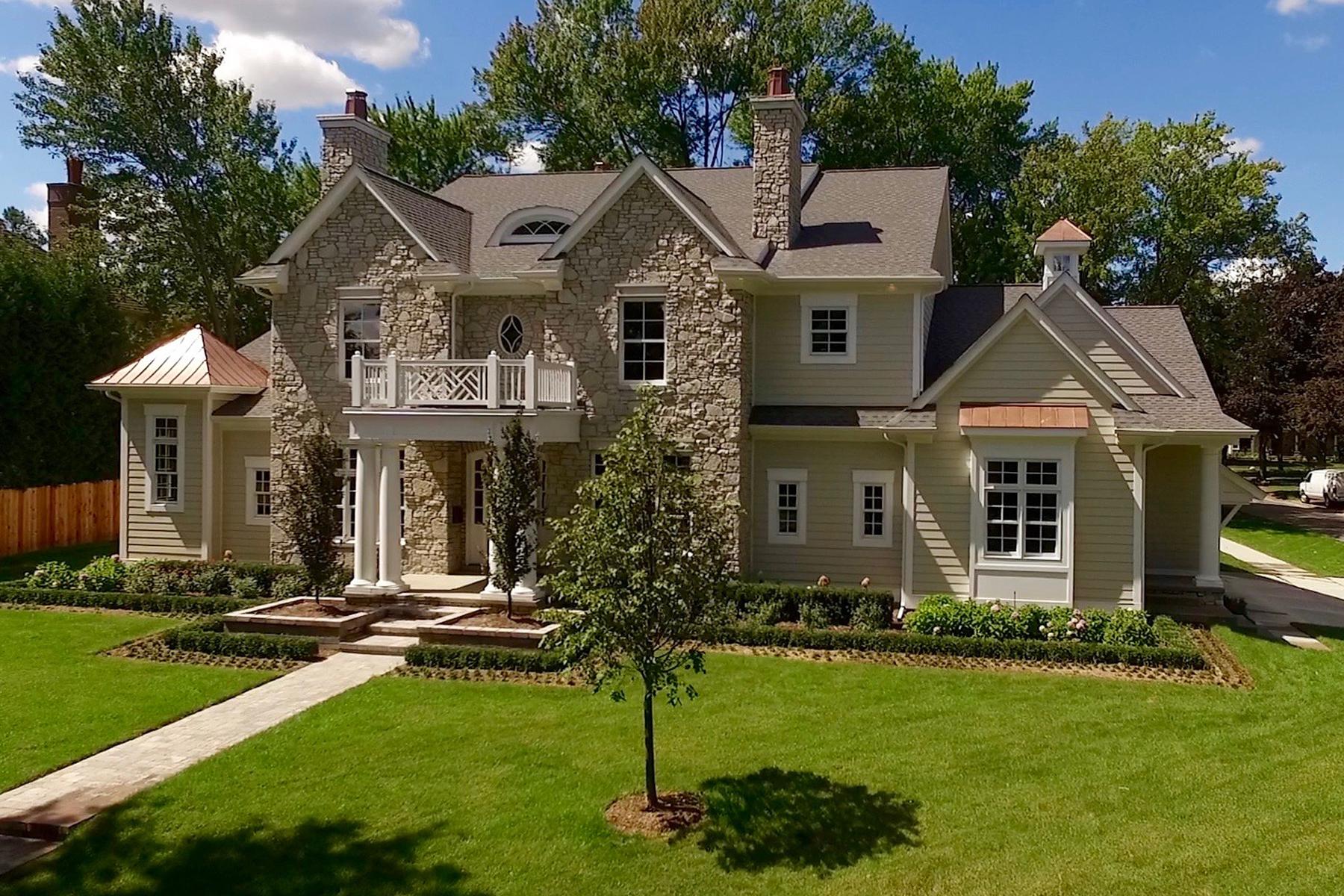 Maison unifamiliale pour l Vente à Birmingham 1365 Puritan Avenue Birmingham, Michigan, 48009 États-Unis