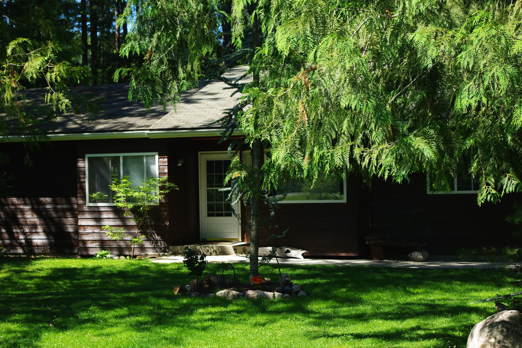 Maison unifamiliale pour l Vente à Community Beach Access 210 Oden Bay Drive Sandpoint, Idaho, 83864 États-Unis