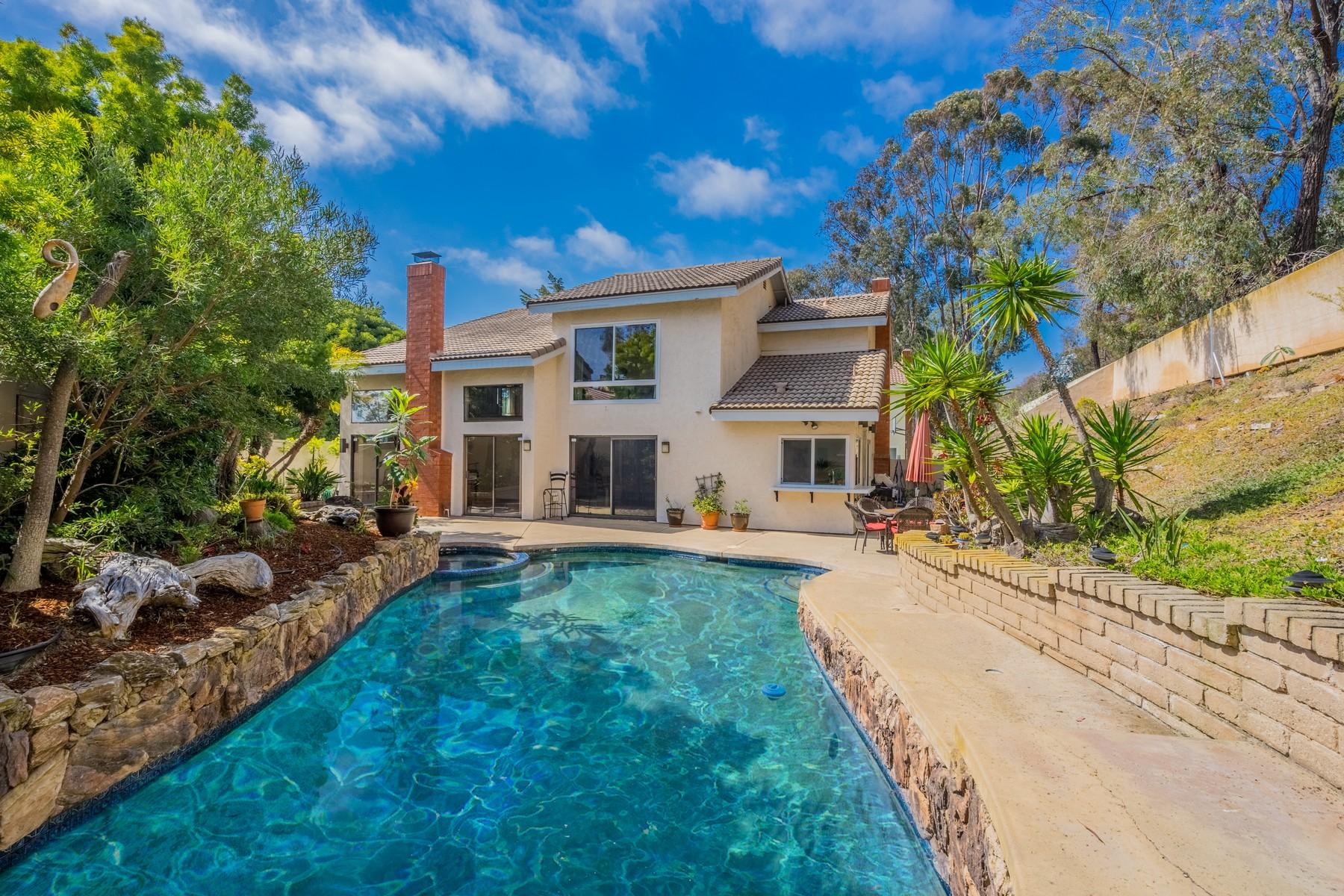 Maison unifamiliale pour l Vente à 8317 Caminito Helecho La Jolla, Californie, 92037 États-Unis