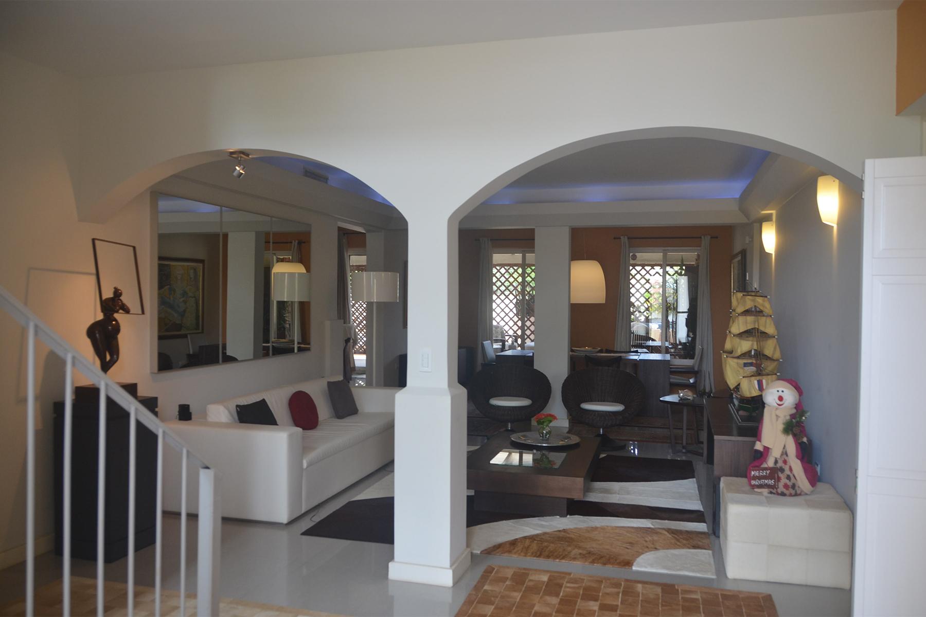 Additional photo for property listing at Delightful renovated Villa Malmok, Aruba Aruba