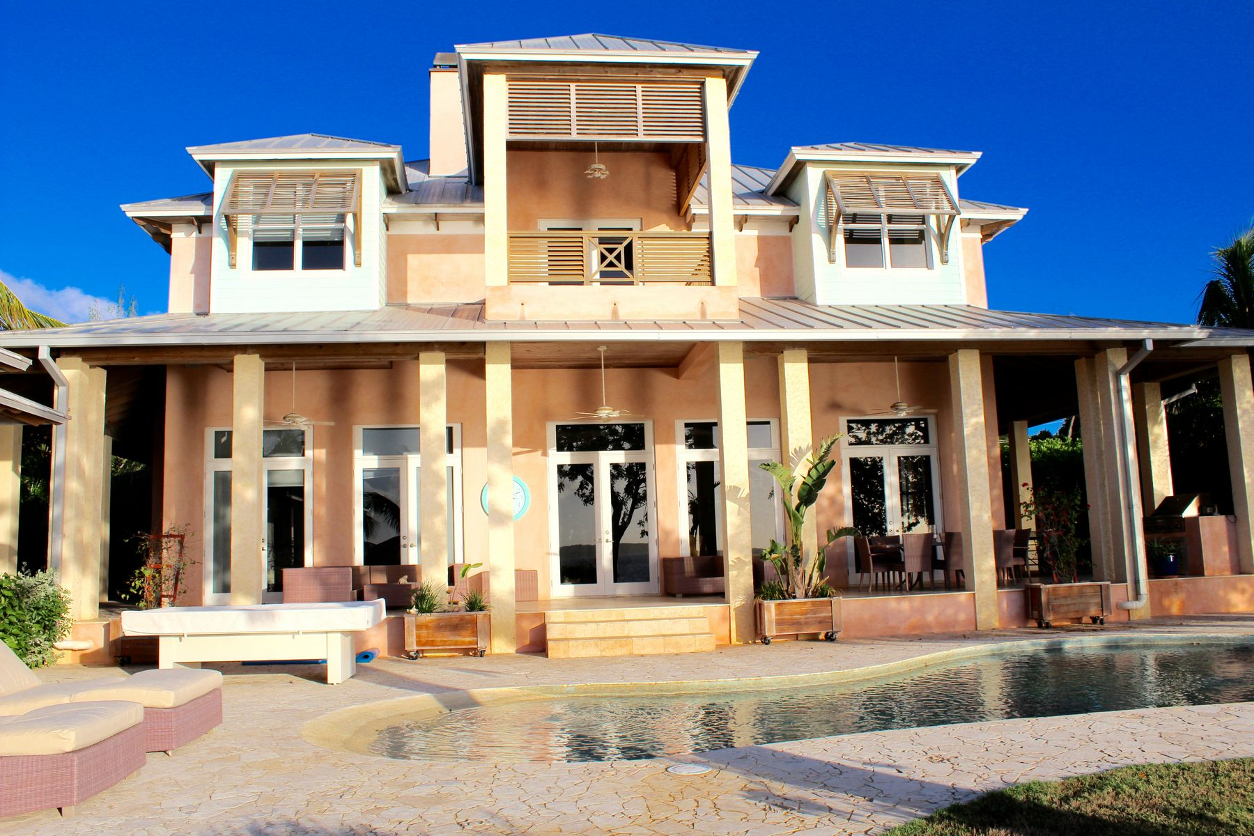 Additional photo for property listing at Buttonwood Harbour Estate Harbour Island, 伊路瑟拉 巴哈马