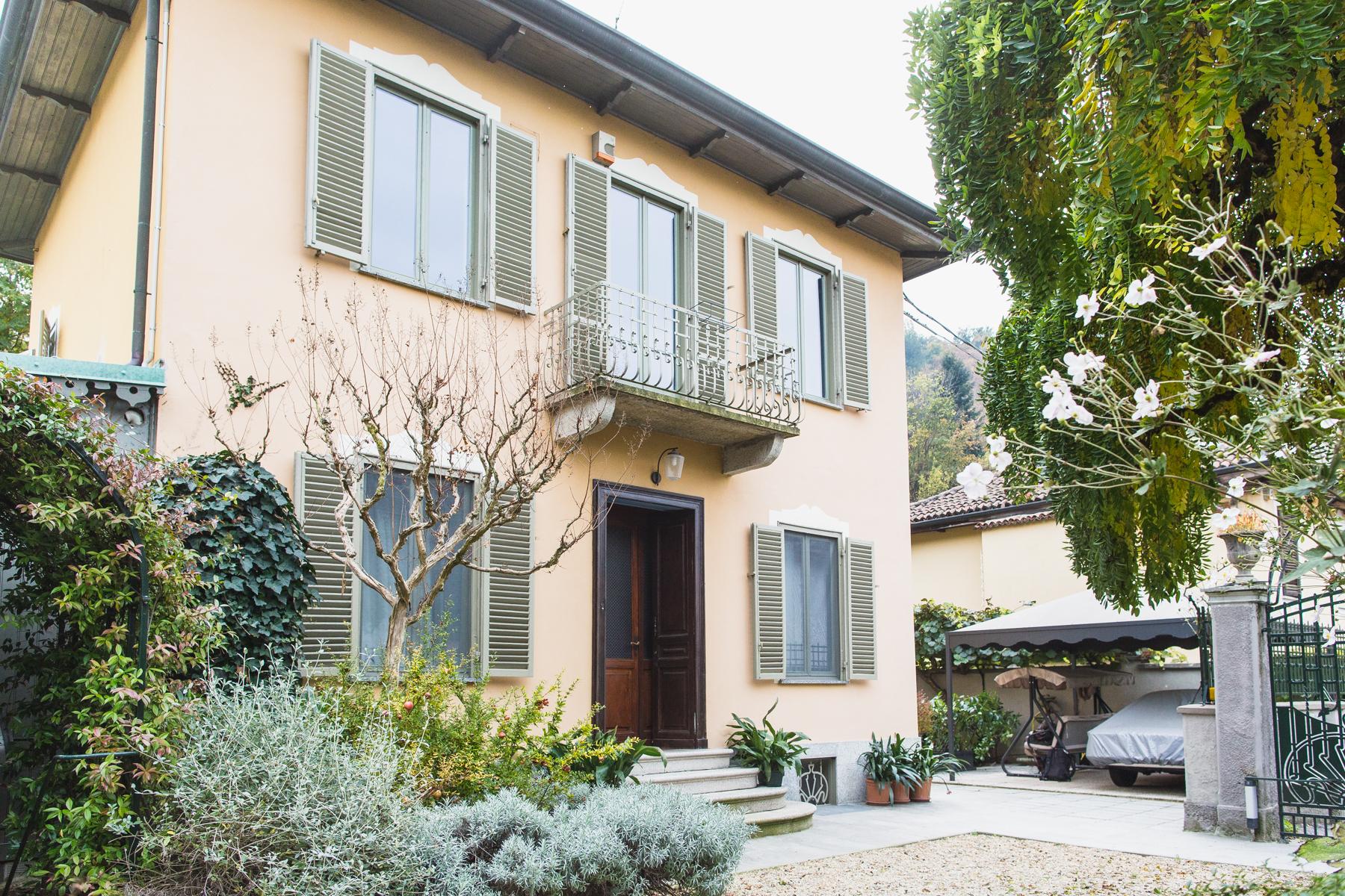 Vivienda unifamiliar por un Venta en Charming Liberty style Villa Strada Comunale di Cavoretto Torino, Turin 10133 Italia