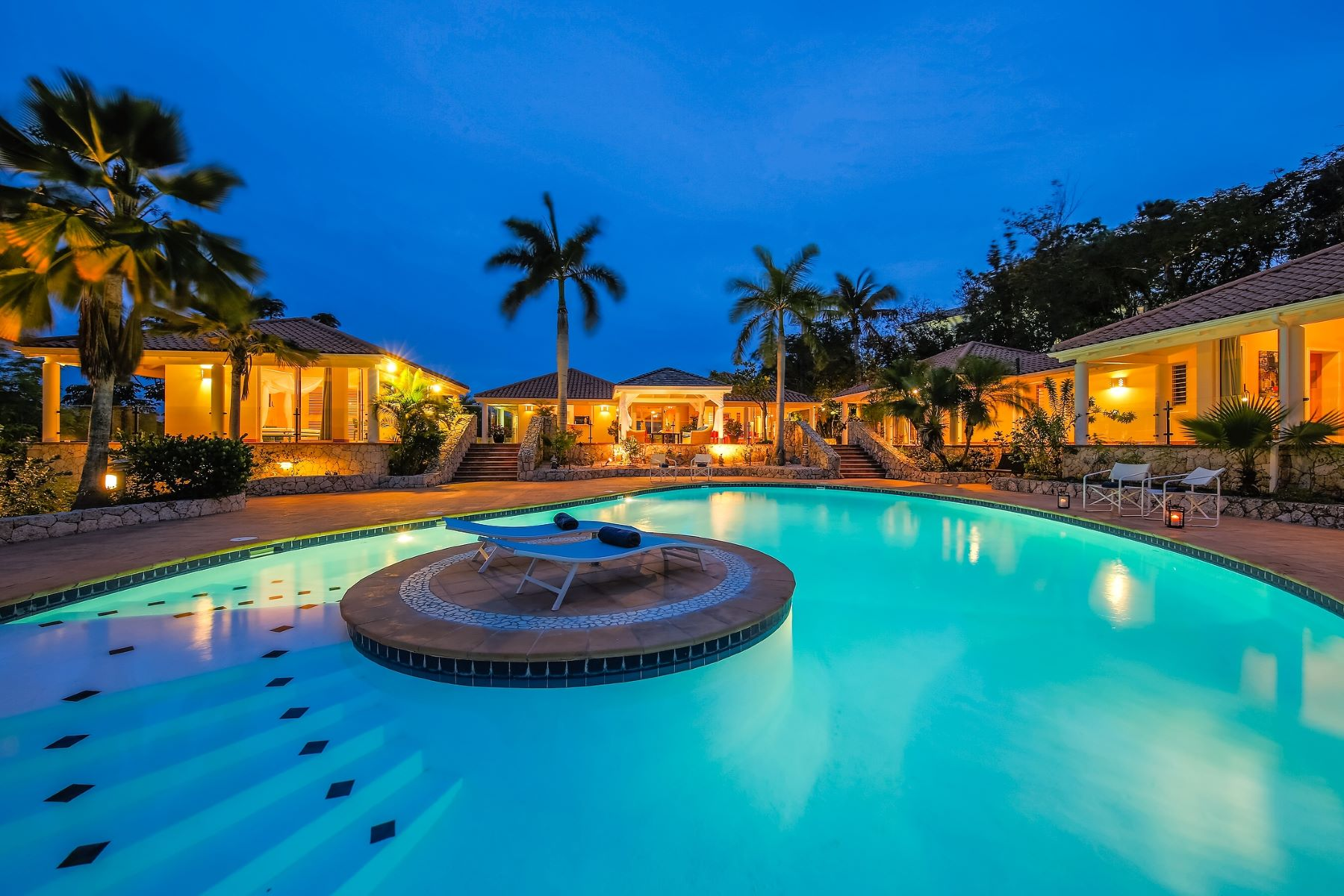 Single Family Home for Sale at Villa Dauphin Villa Dauphin Terres Basses, Cities In Saint Martin 97150 St. Martin