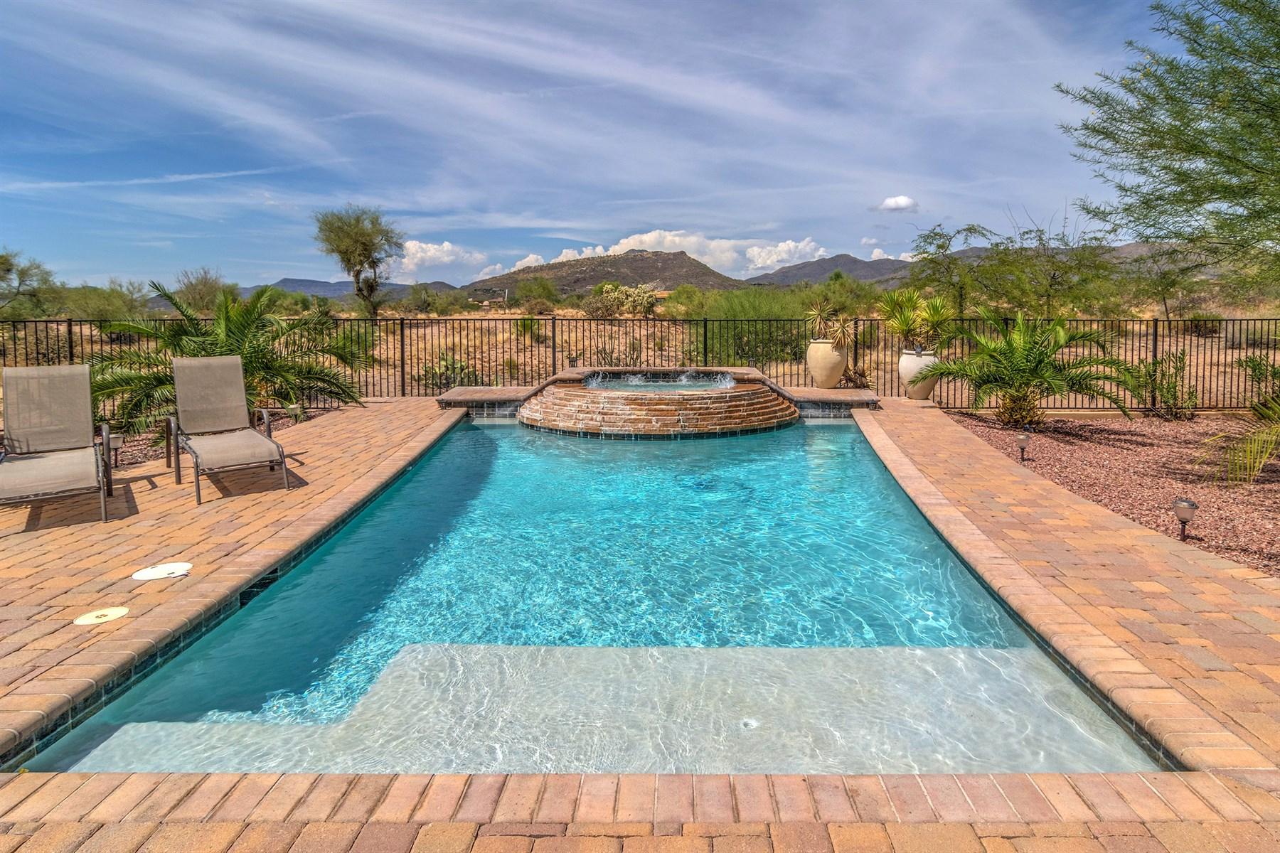 Maison unifamiliale pour l Vente à Beautiful 4,000 SF Home in Mirabel Villge - North Scottsdale 9810 E Winter Sun Drive Scottsdale, Arizona, 85262 États-Unis