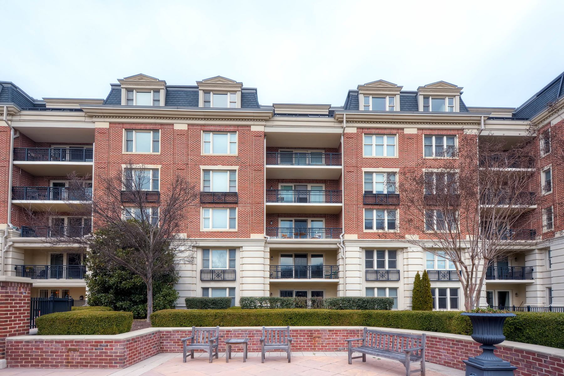 Condominium for Rent at The Ritz-Carlton Residences 801 Key Highway #457 Baltimore, Maryland 21230 United States