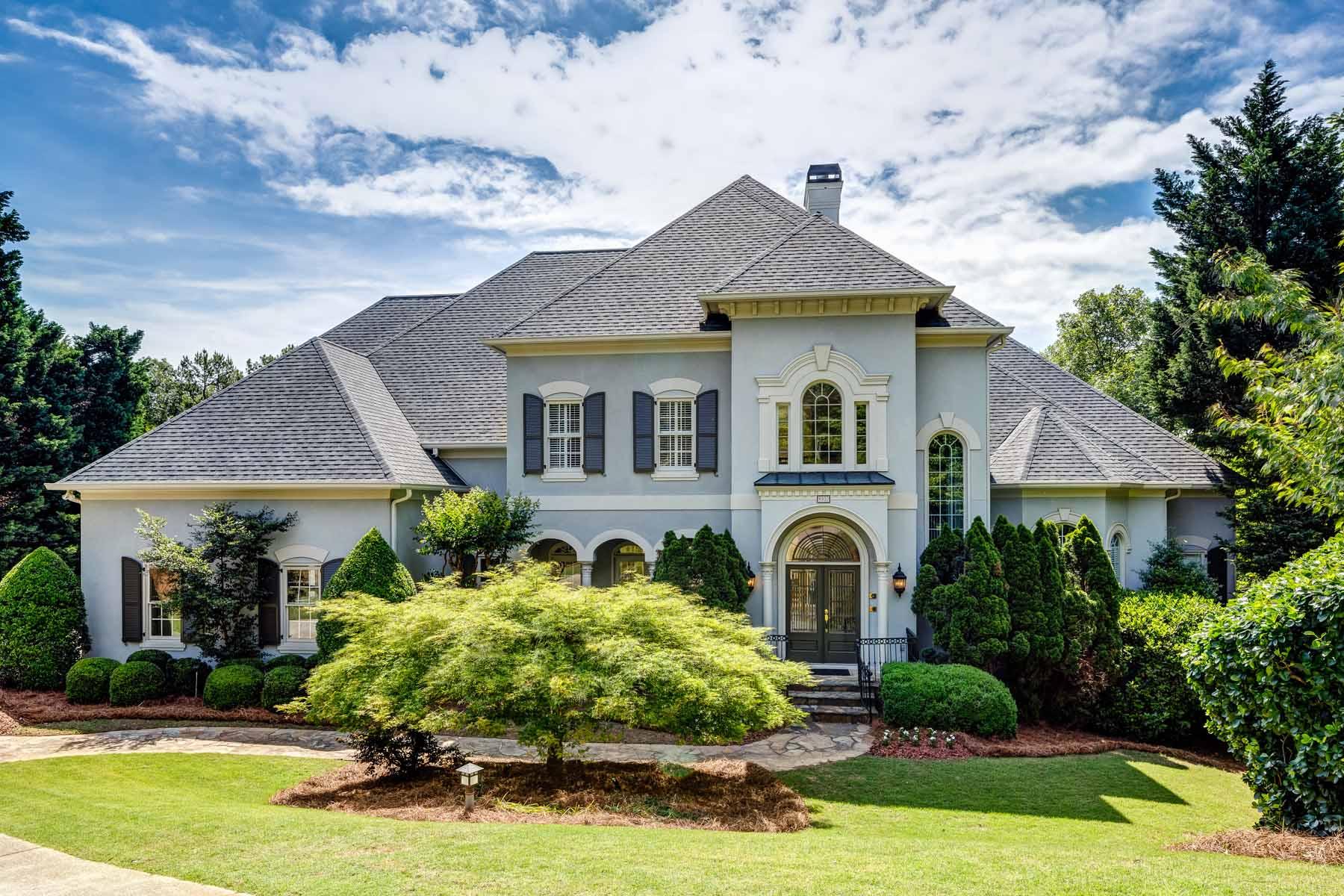 独户住宅 为 销售 在 Sophisticated Elegance 8930 Old Southwick Pass 阿法乐特, 乔治亚州, 30022 美国