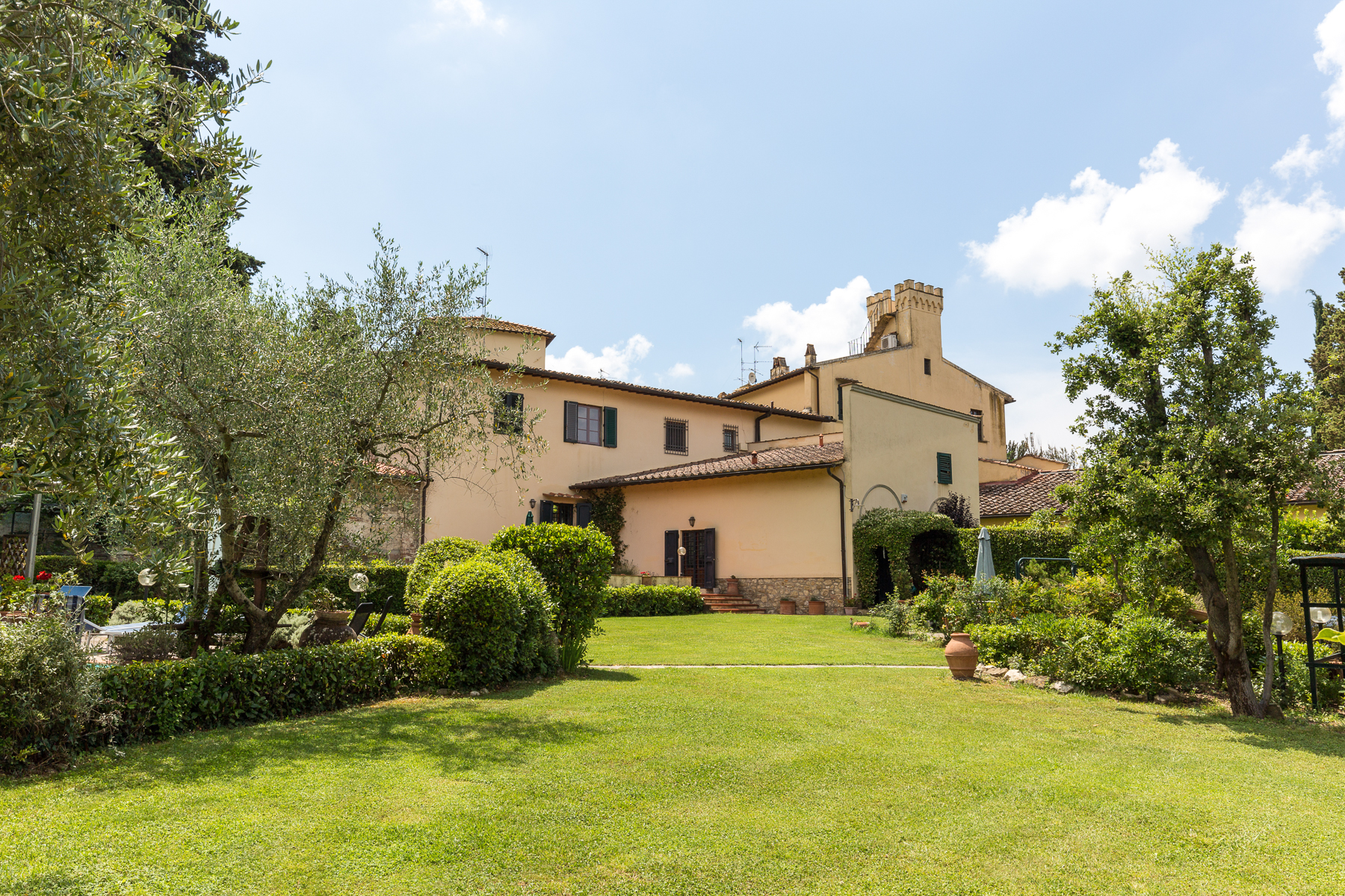 Additional photo for property listing at Charming property near Florence Bagno A Ripoli, Florence Italie
