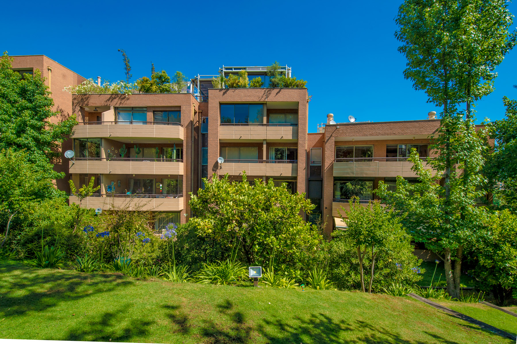Apartamento por un Venta en Exclusivo departamento en Santa María de Manquehue. Vitacura, Santiago, Region Metropolitana De Santiago Chile
