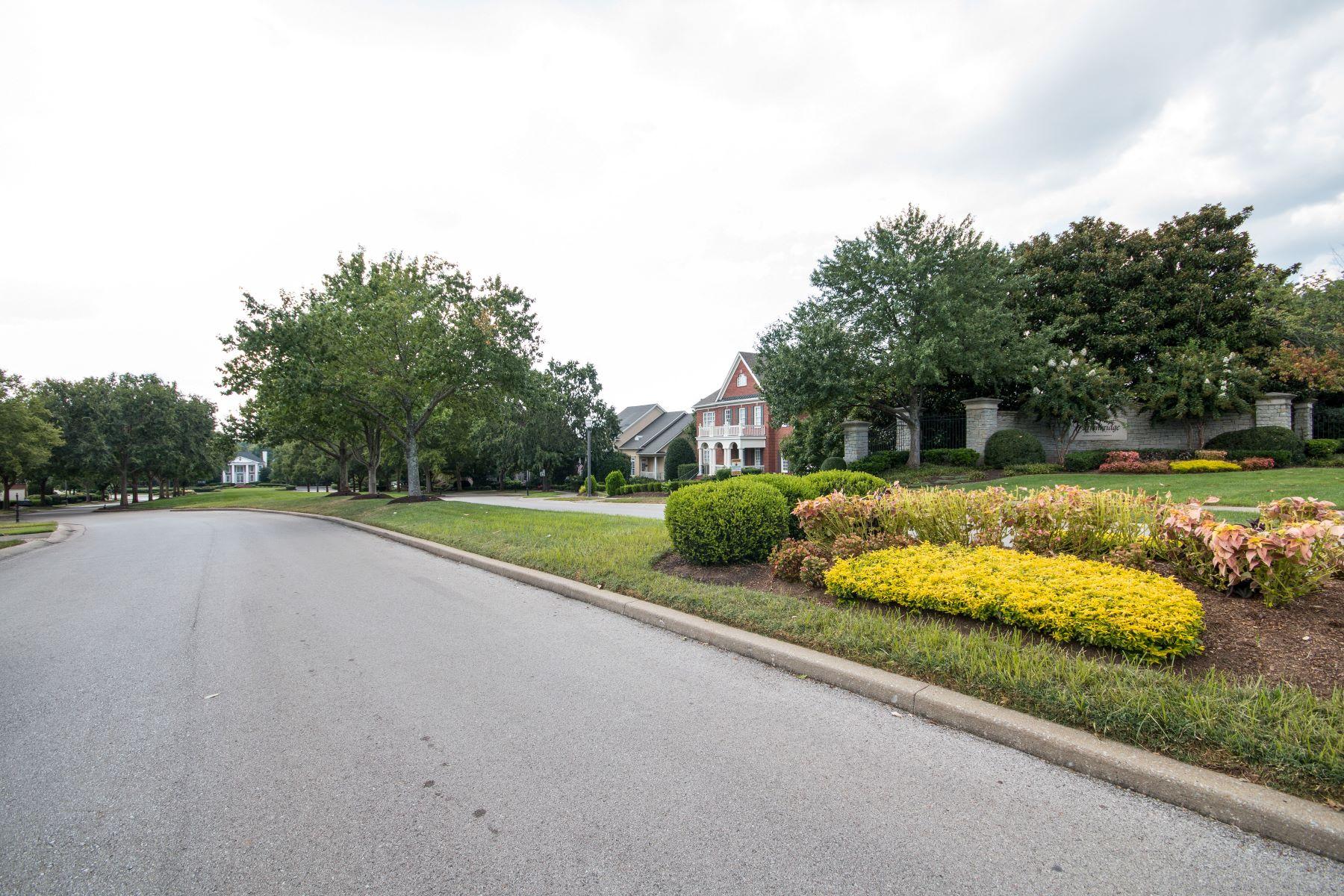 Maison unifamiliale pour l Vente à Stunning Remodeled Home in Carronbridge 440 Autumn Trail Lane Franklin, Tennessee, 37067 États-Unis