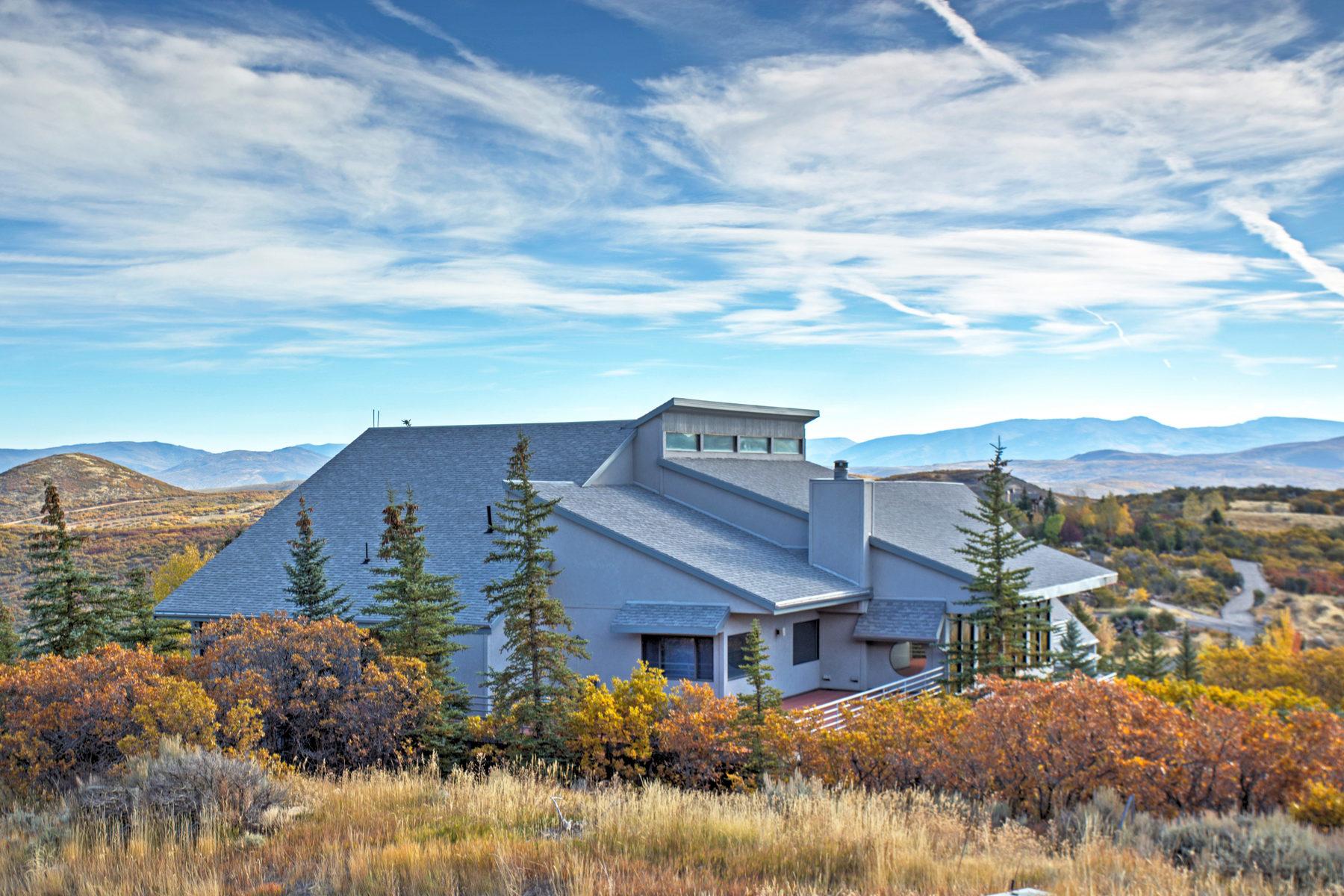 Частный односемейный дом для того Продажа на This Mountaintop Gem is the Perfect Personal or Corporate Retreat 325 Mountain Top Dr Park City, Юта, 84060 Соединенные Штаты