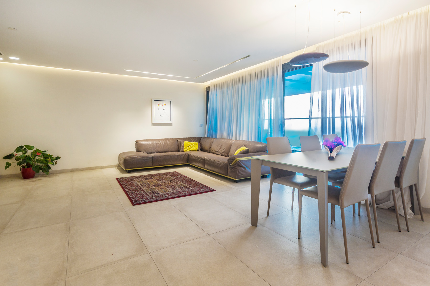 Additional photo for property listing at Elegant Apartment with Panoramic Sea View Netanya, Israel Israel
