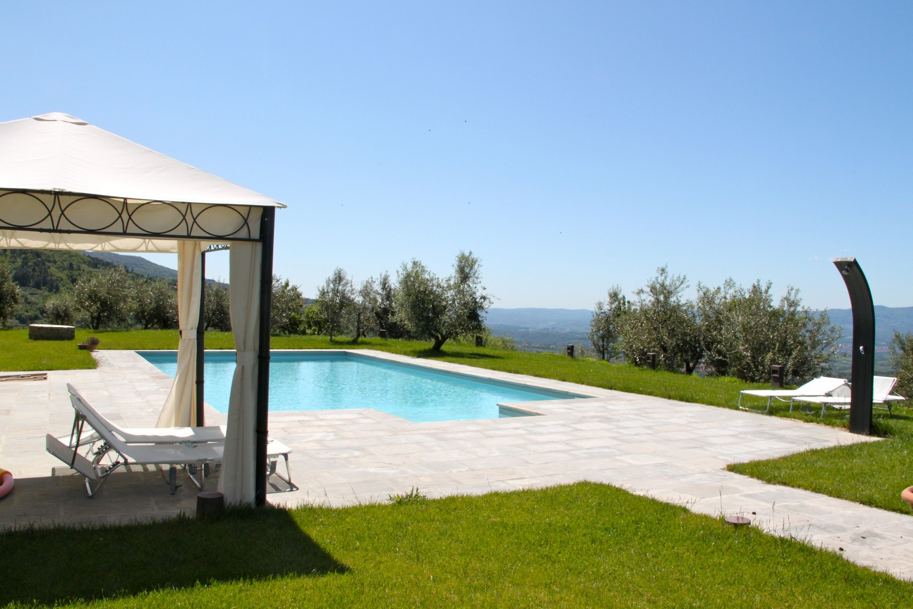 Additional photo for property listing at Design villa in the Tuscan countryside Pian di Sco Arezzo, Arezzo 52026 Italie