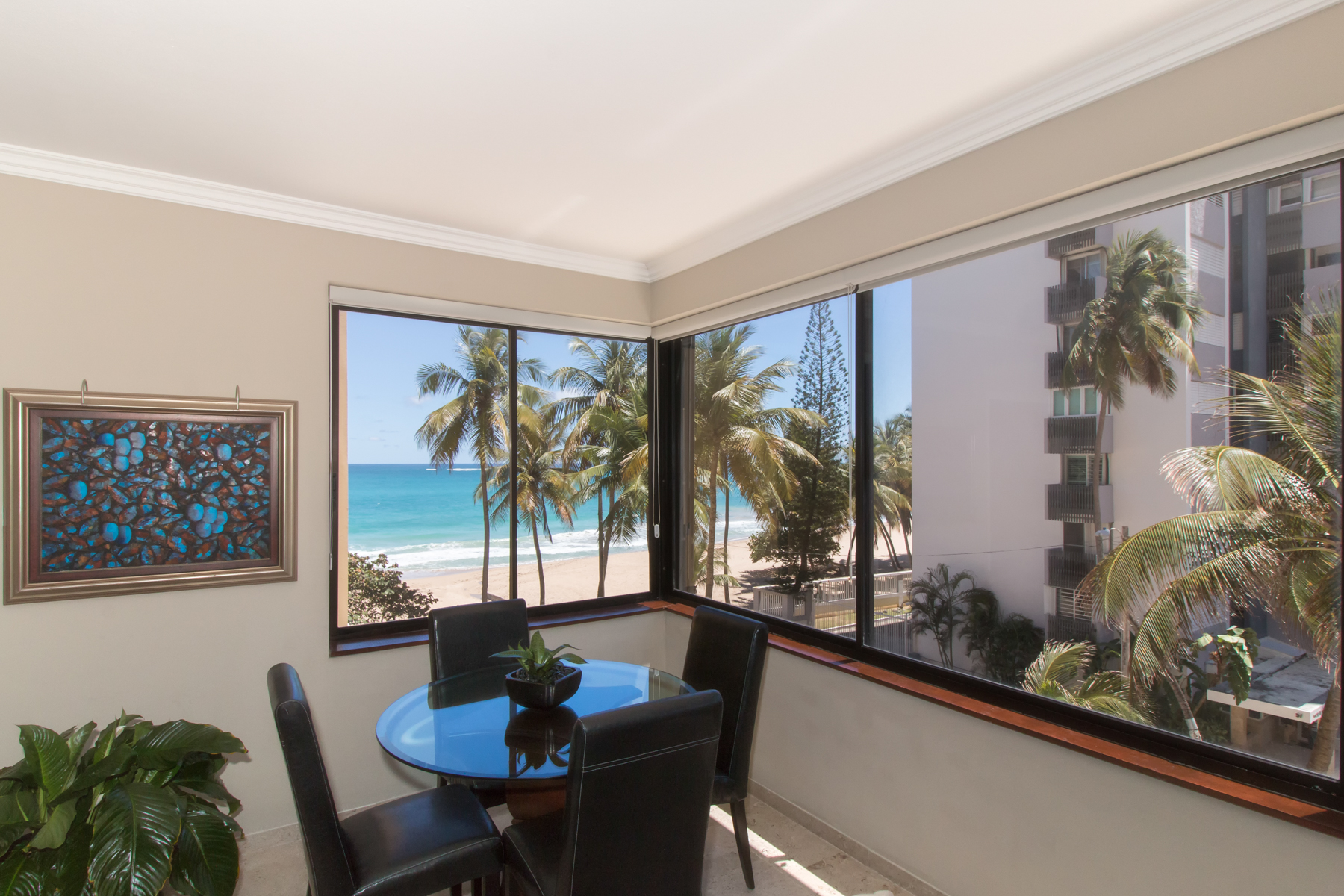 Additional photo for property listing at Beachfront on Kings Court 52 Kings Court Apt, 3A San Juan, Puerto Rico 00911 Πουερτο Ρικο