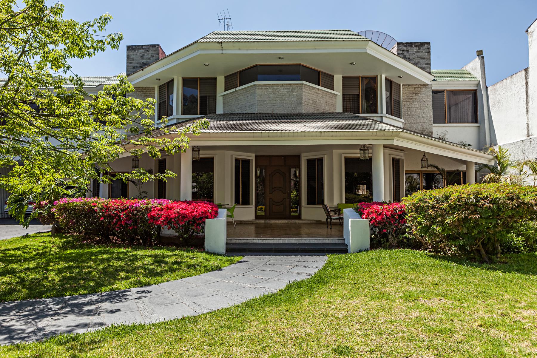 Single Family Home for Sale at Residencia Eca do Queiros, Jard Universidad, Zapopan Guadalajara, 45110 Mexico