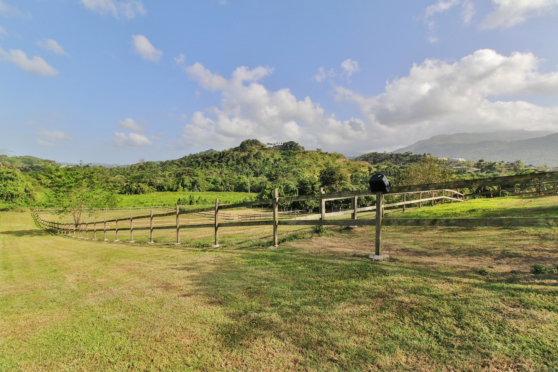 Additional photo for property listing at Rancho Soberano at Hacienda Carabali Road 3, K.M31.6 Carr 992 Street A Luquillo, Puerto Rico 00773 プエルトリコ