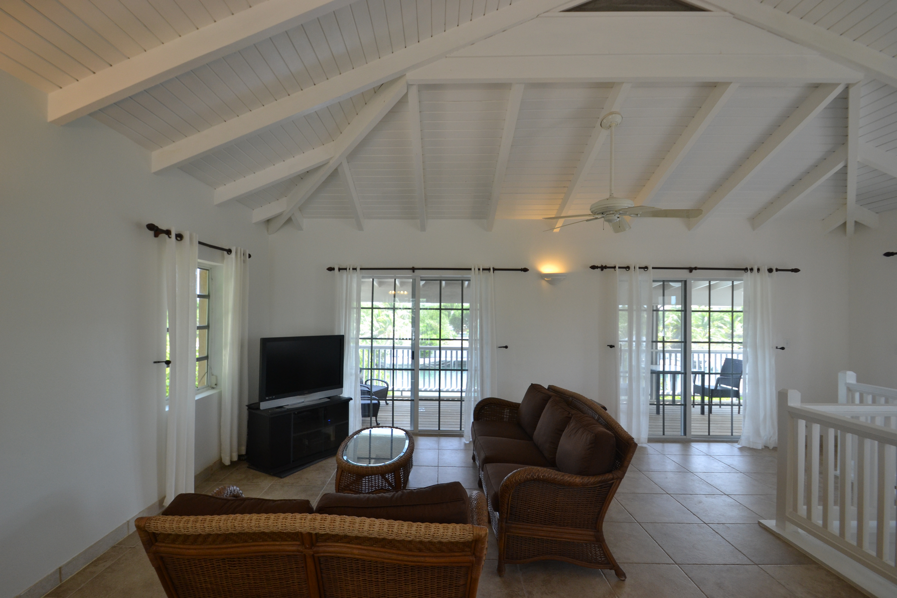 Additional photo for property listing at Discovery Bay Canalfront  Discovery Bay, Providenciales TC Islas Turcas Y Caicos