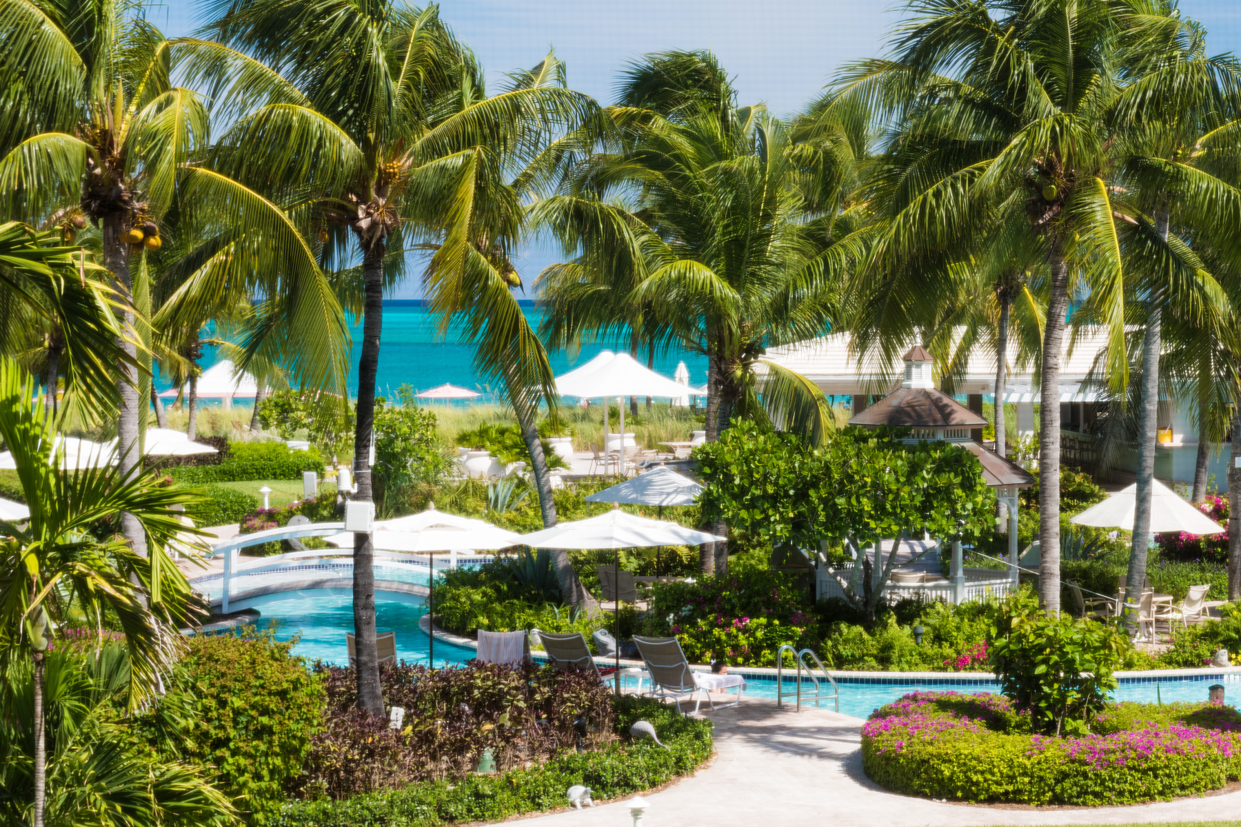 Additional photo for property listing at Ocean Club West 726 Oceanfront Grace Bay, Провиденсьялес TCI Теркс И Кайкос