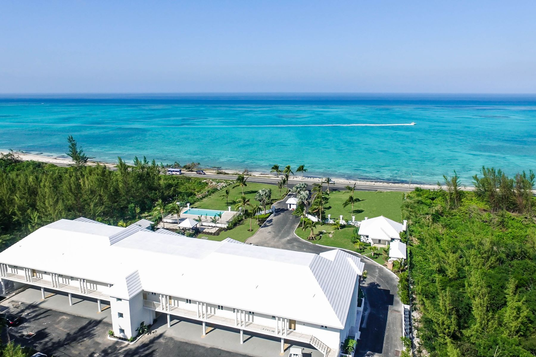 Additional photo for property listing at Ocean Terraces, One Bedroom + Den West Bay Street, New Providence/Nassau Bahamas