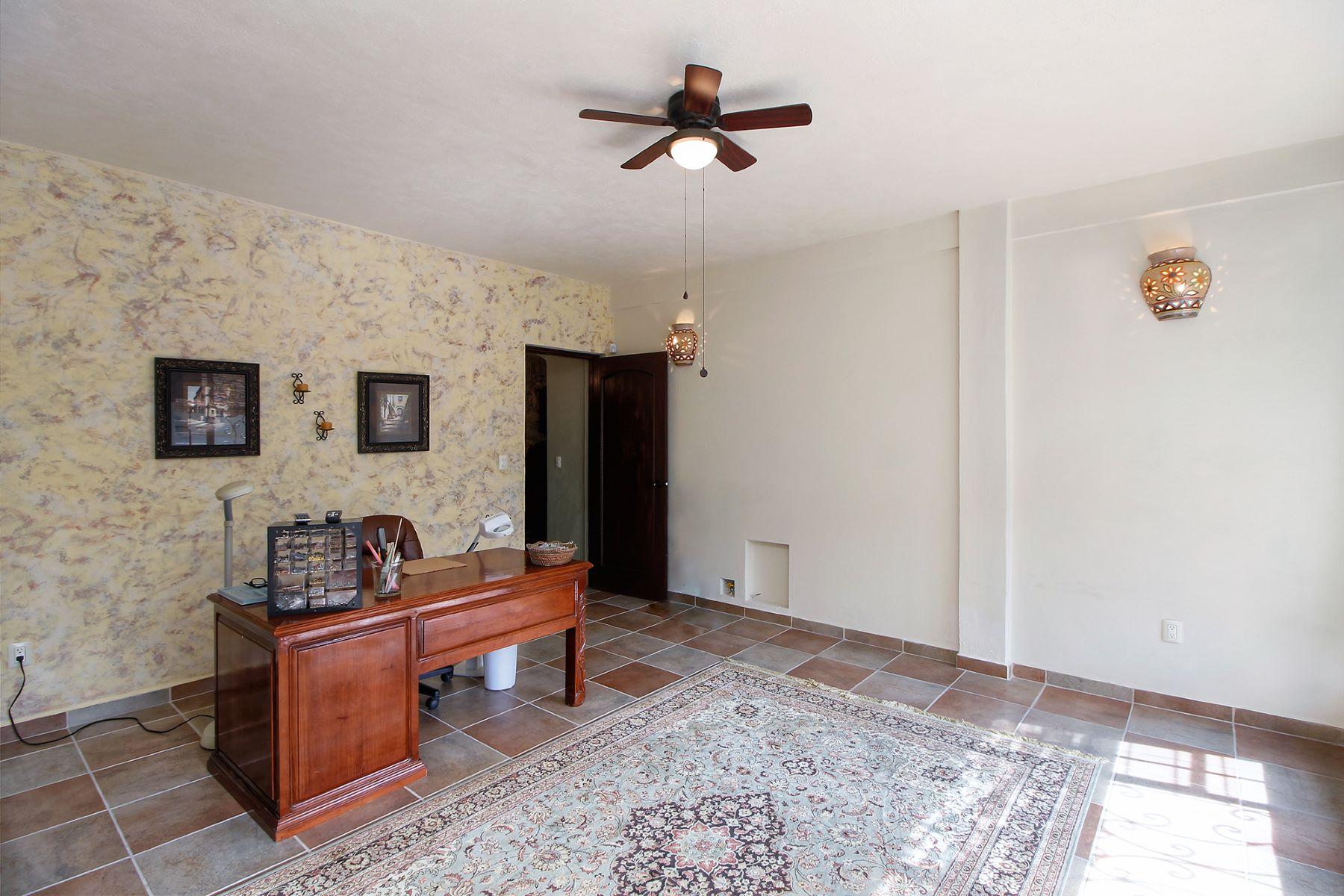 Additional photo for property listing at Casa San Miguelito Los Frailes, San Miguel De Allende, Guanajuato México