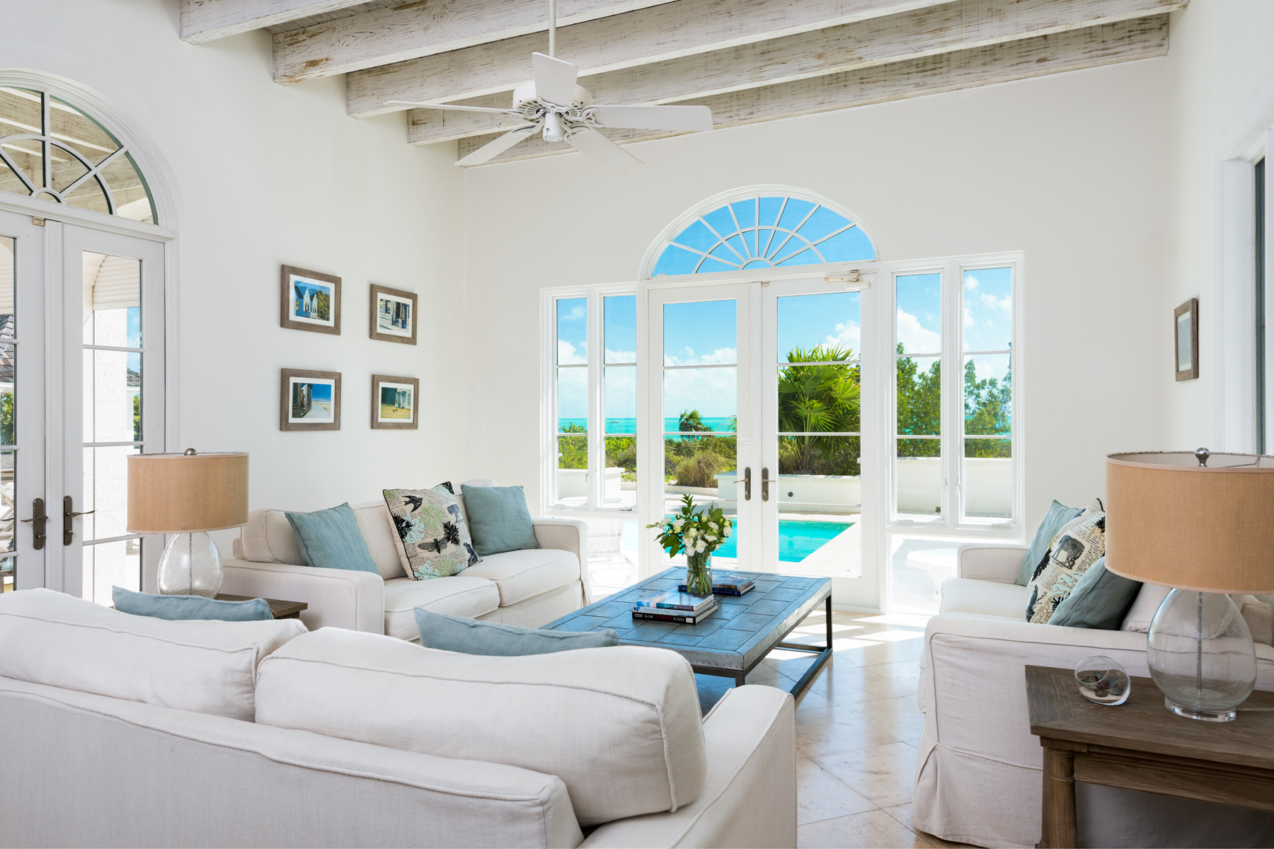 Additional photo for property listing at Long Bay House Beachfront Long Bay, Providenciales TKCA 1ZZ Îles Turques Et Caïques