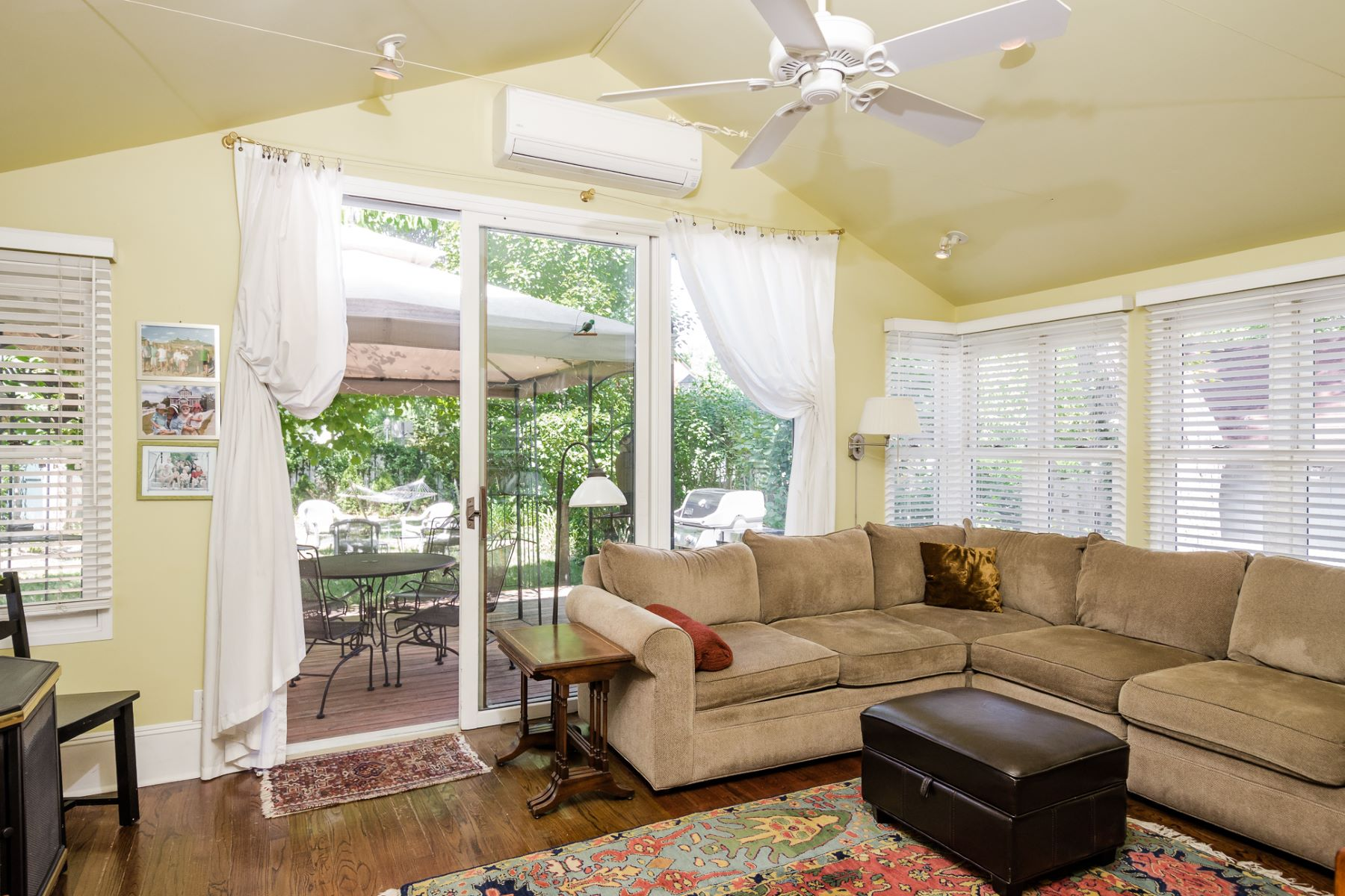 Additional photo for property listing at Uptown Living at Its Best 26 North Main Street Pennington, Nueva Jersey 08534 Estados Unidos